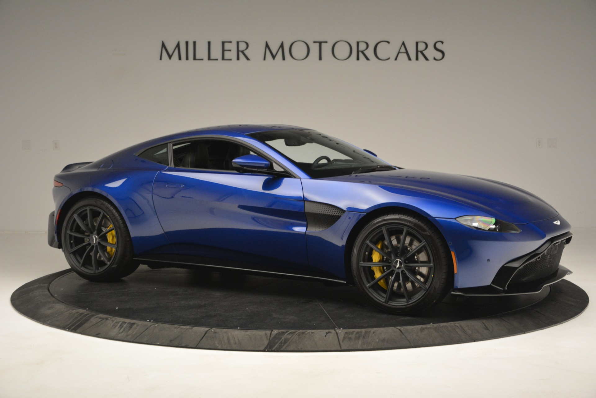 New 2019 Aston Martin Vantage  For Sale In Westport, CT 2831_p10