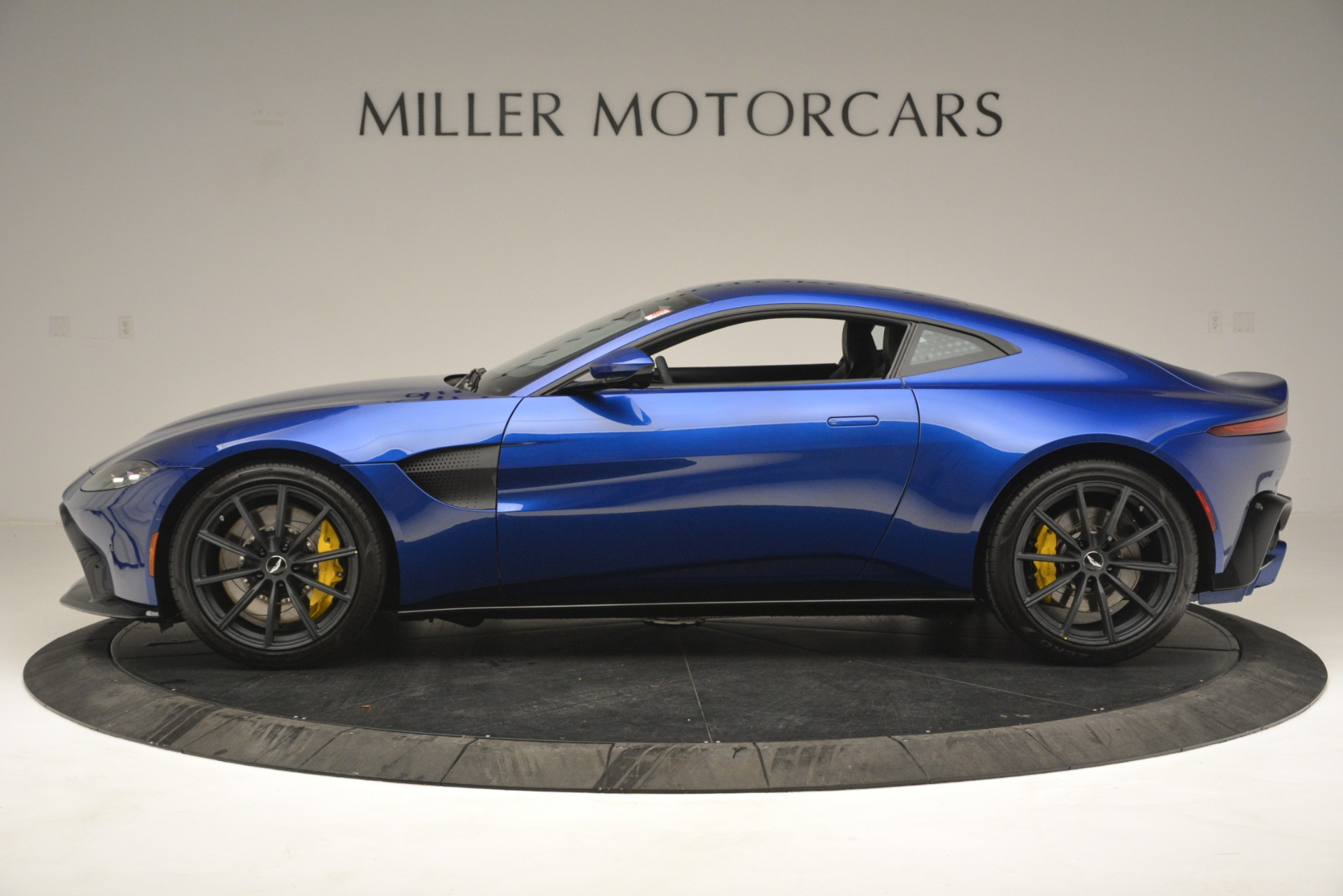New 2019 Aston Martin Vantage  For Sale In Westport, CT 2831_p3