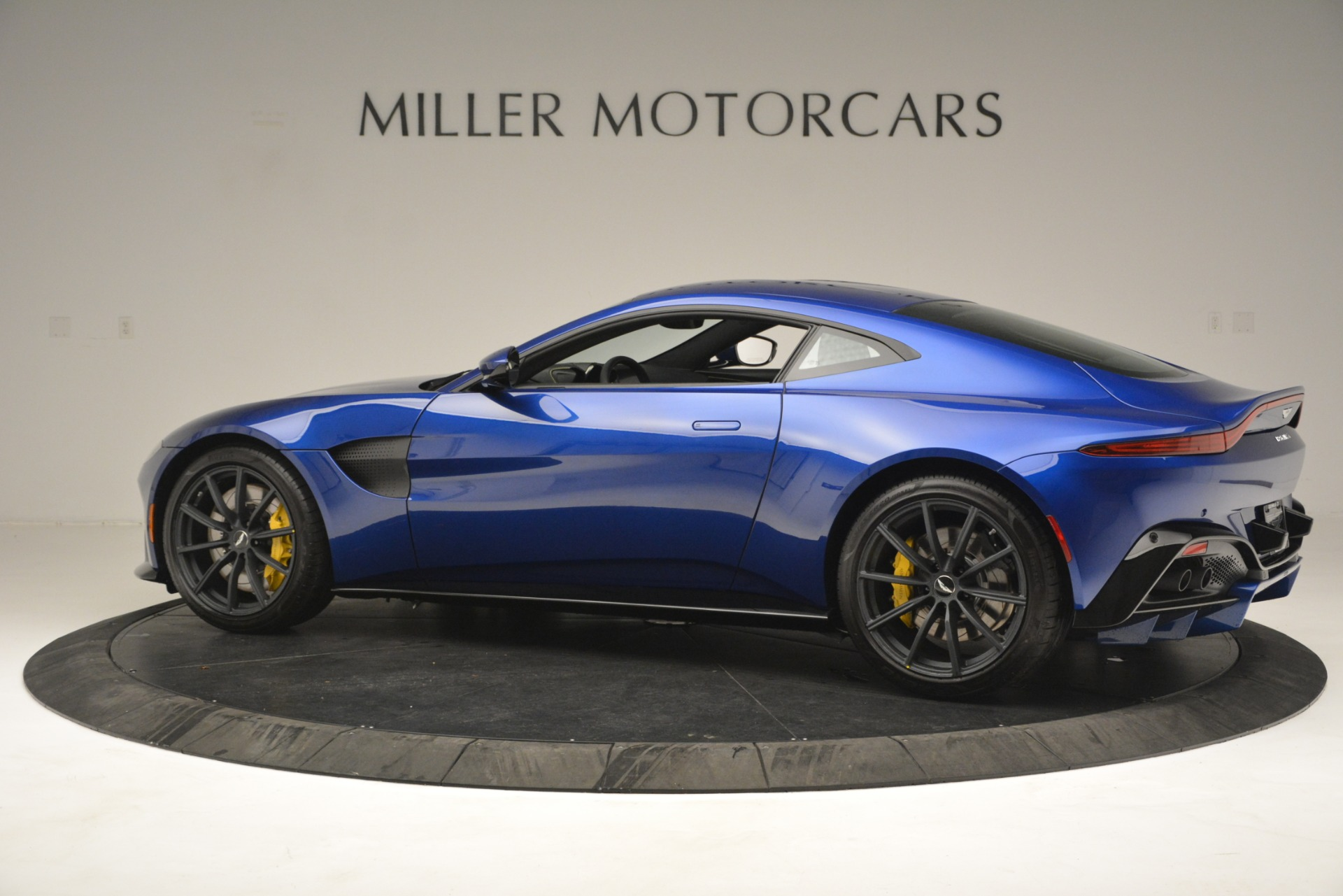 New 2019 Aston Martin Vantage  For Sale In Westport, CT 2831_p4