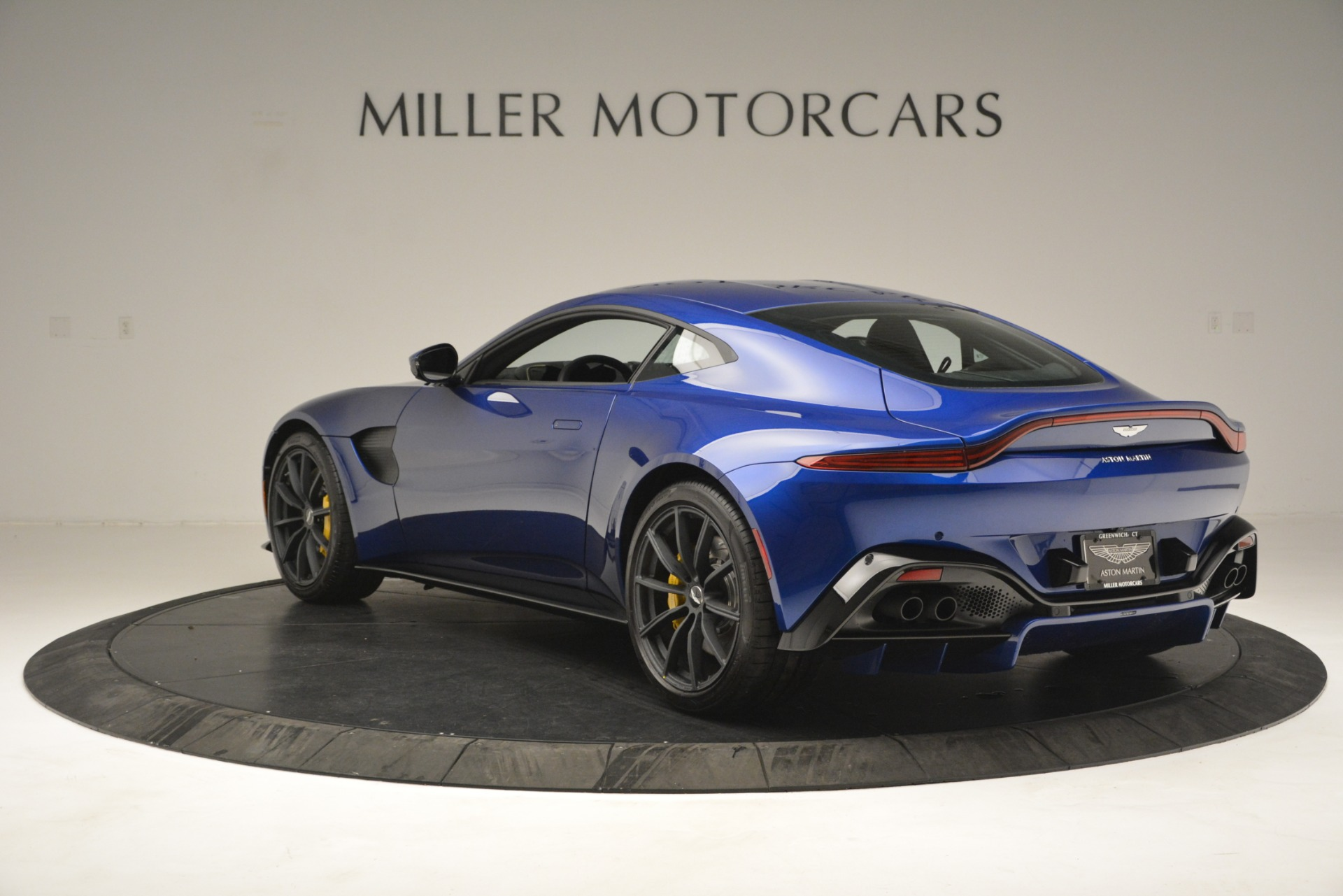New 2019 Aston Martin Vantage  For Sale In Westport, CT 2831_p5