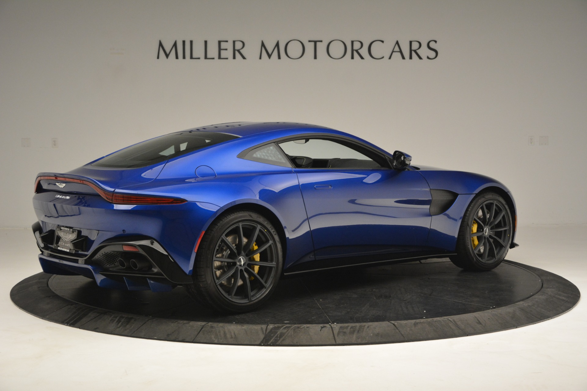 New 2019 Aston Martin Vantage  For Sale In Westport, CT 2831_p8