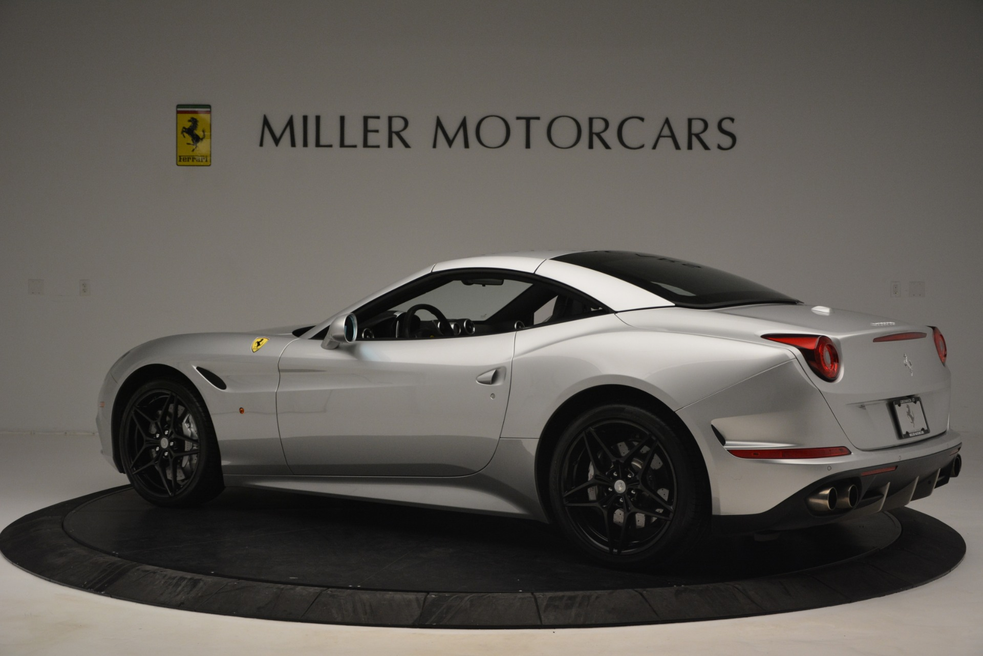 Used 2015 Ferrari California T  For Sale In Westport, CT 2846_p16