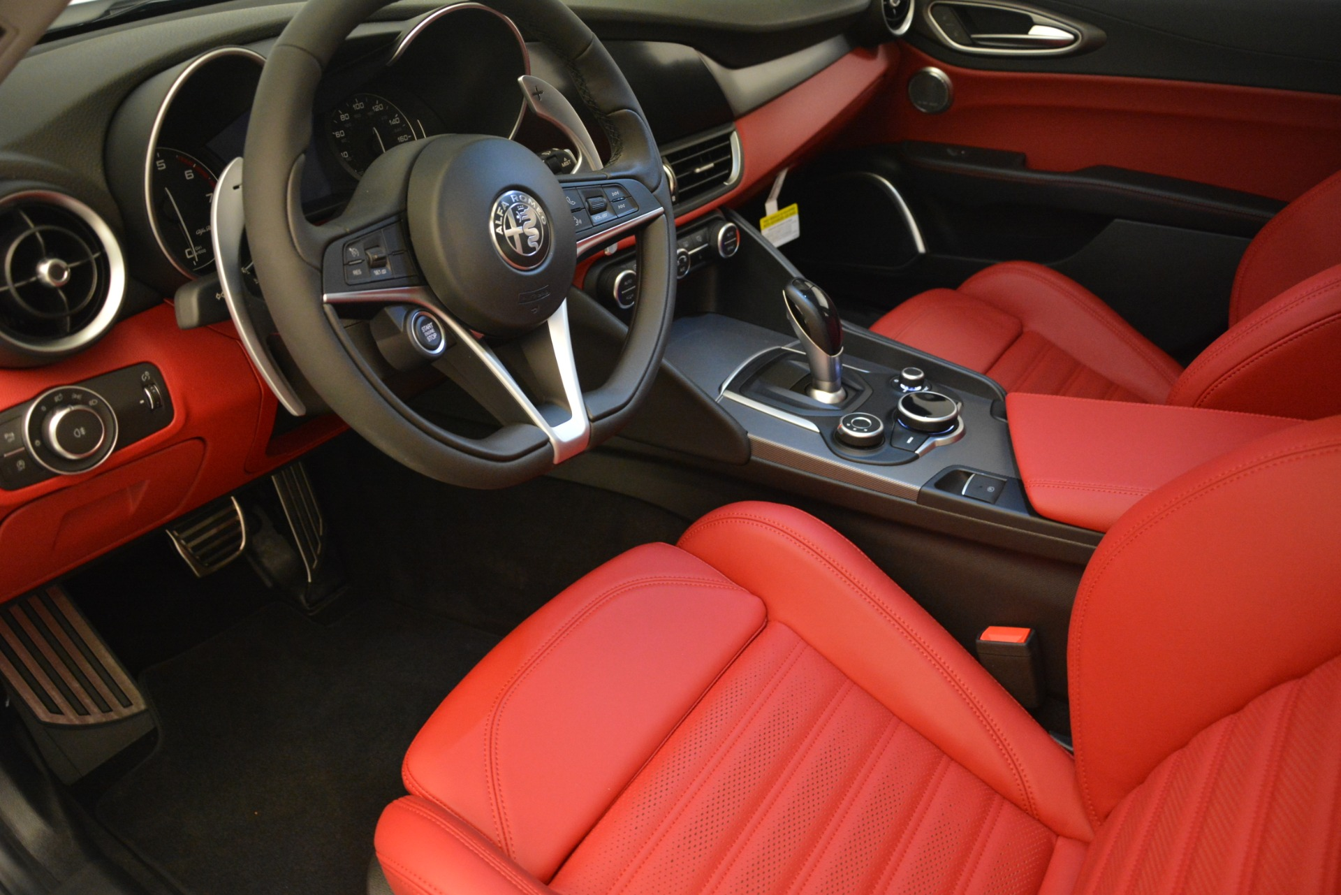 New 2019 Alfa Romeo Giulia Ti Sport Q4 For Sale In Westport, CT 2864_p13
