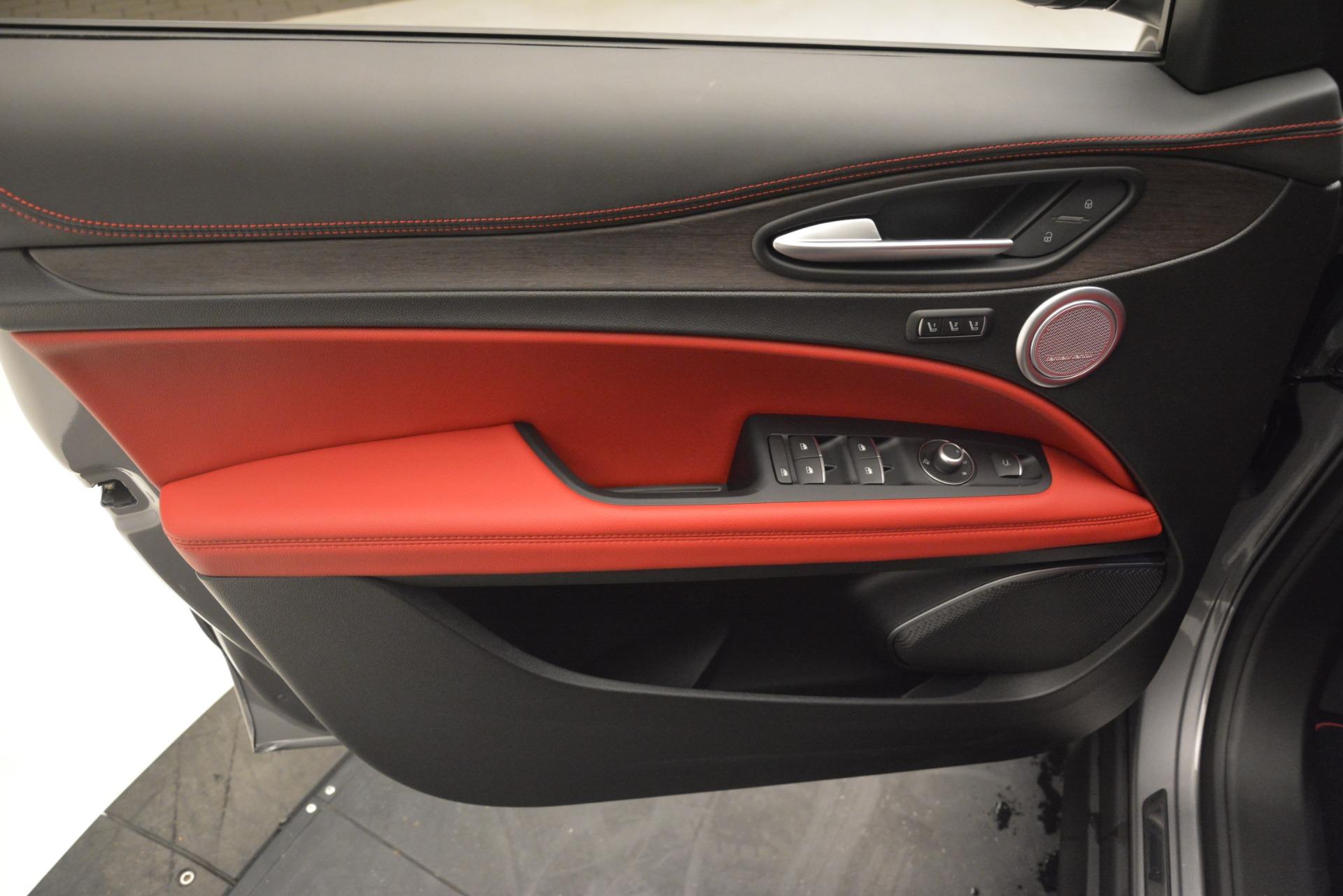 New 2019 Alfa Romeo Stelvio Ti Lusso Q4 For Sale In Westport, CT 2873_p16