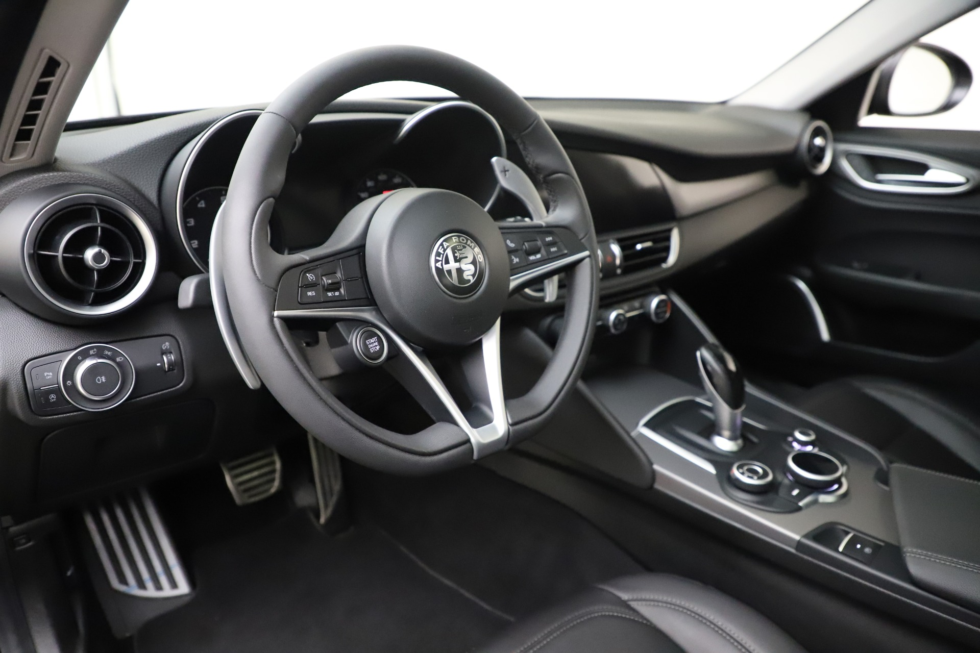 New 2019 Alfa Romeo Giulia Sport Q4 For Sale In Westport, CT 2890_p13