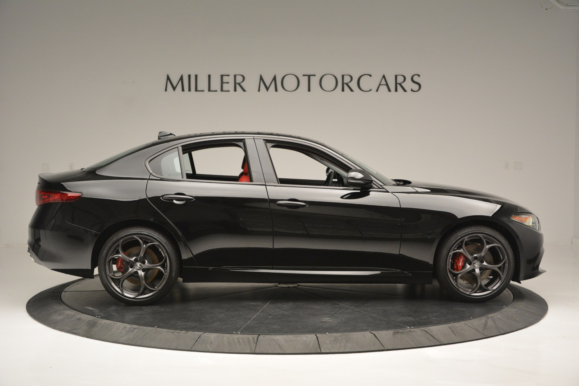 New 2019 Alfa Romeo Giulia Q4 For Sale In Westport, CT 2892_p9