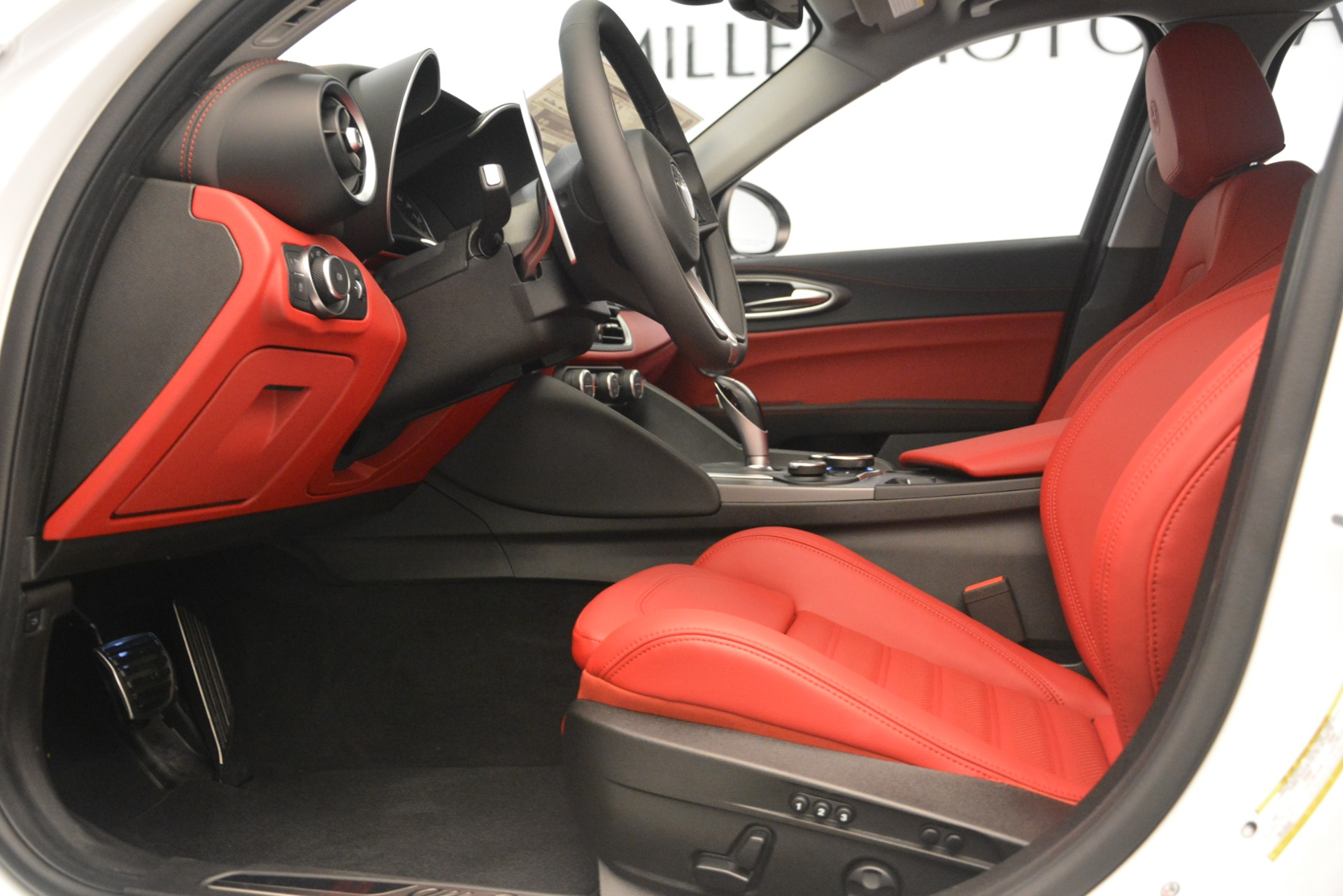 New 2019 Alfa Romeo Giulia Ti Sport Q4 For Sale In Westport, CT 2896_p14