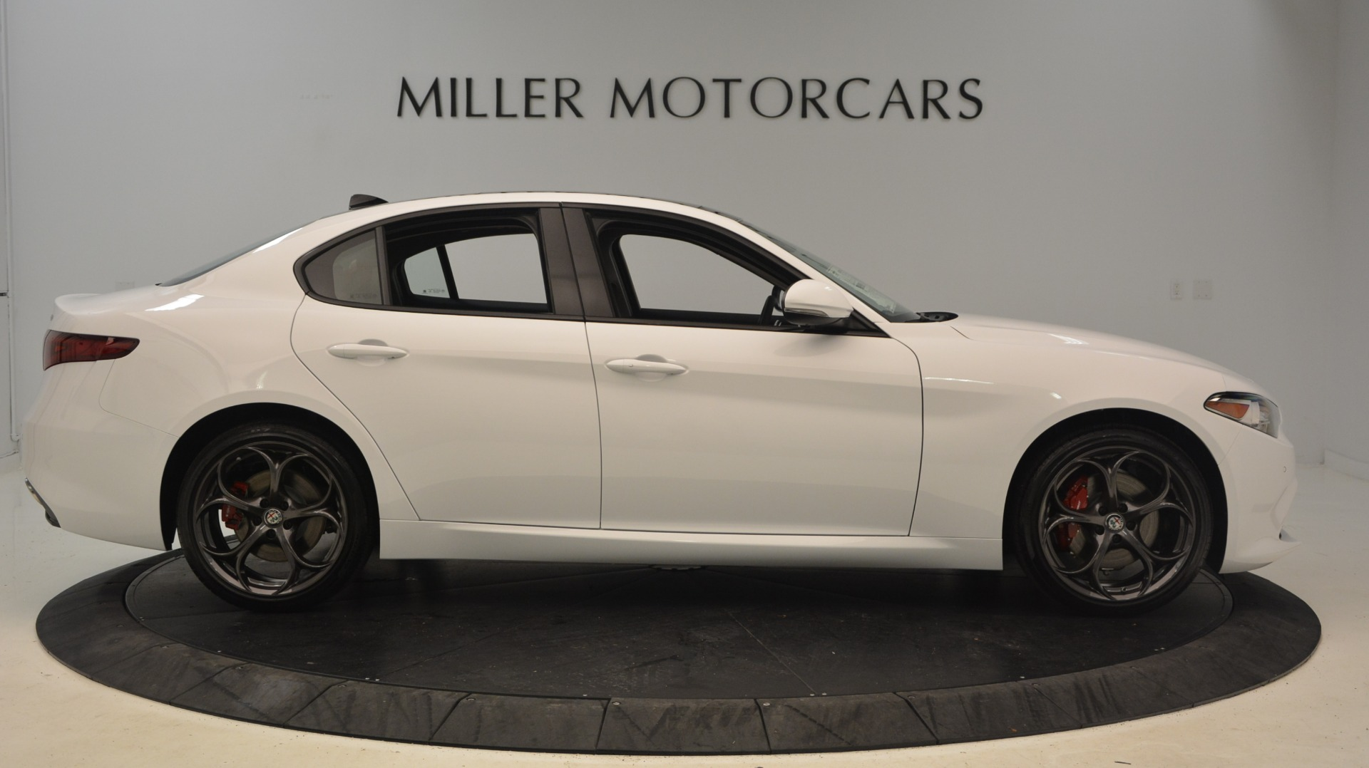 New 2019 Alfa Romeo Giulia Ti Sport Q4 For Sale In Westport, CT 2897_p9