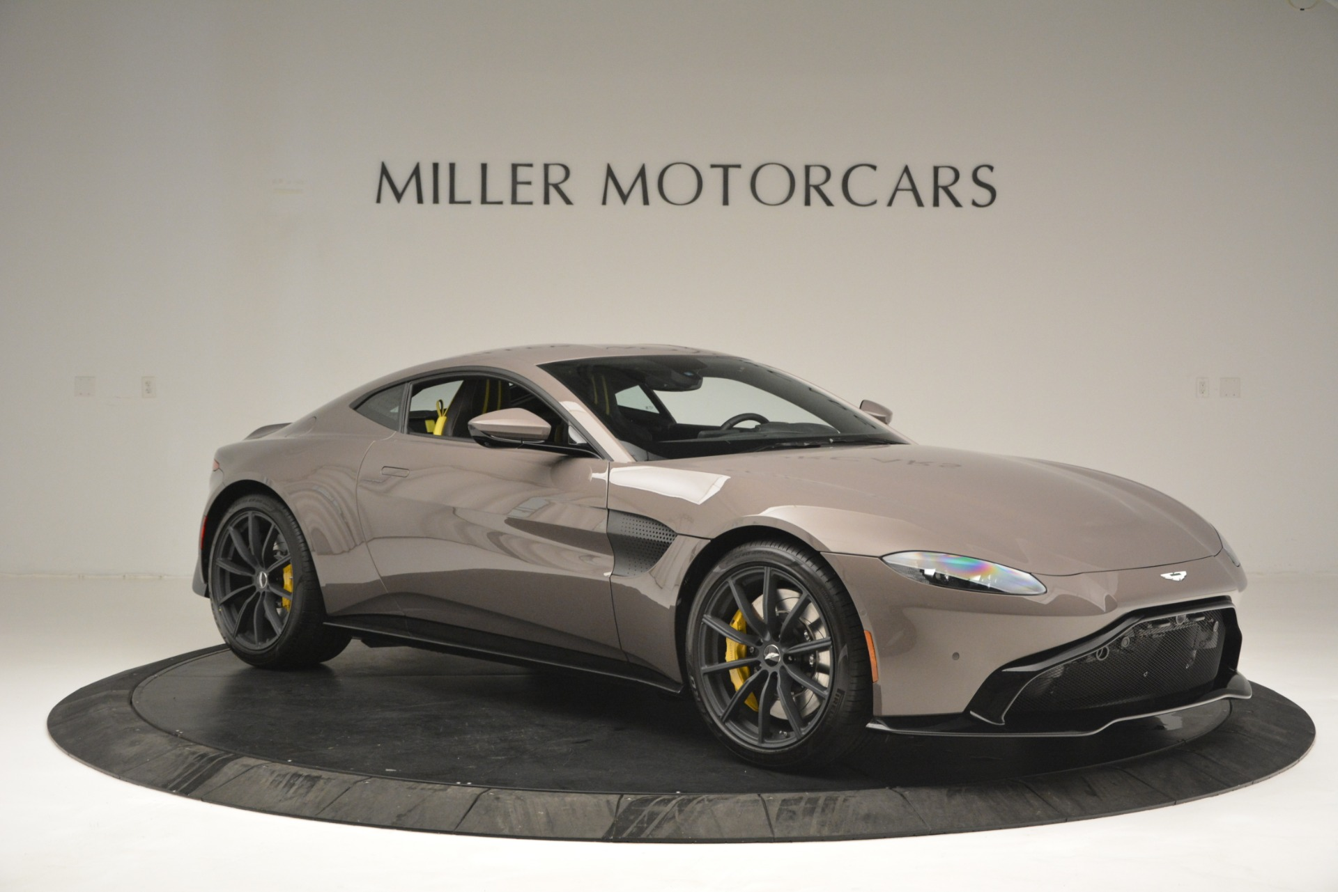 Used 2019 Aston Martin Vantage Coupe For Sale In Westport, CT 2901_p10