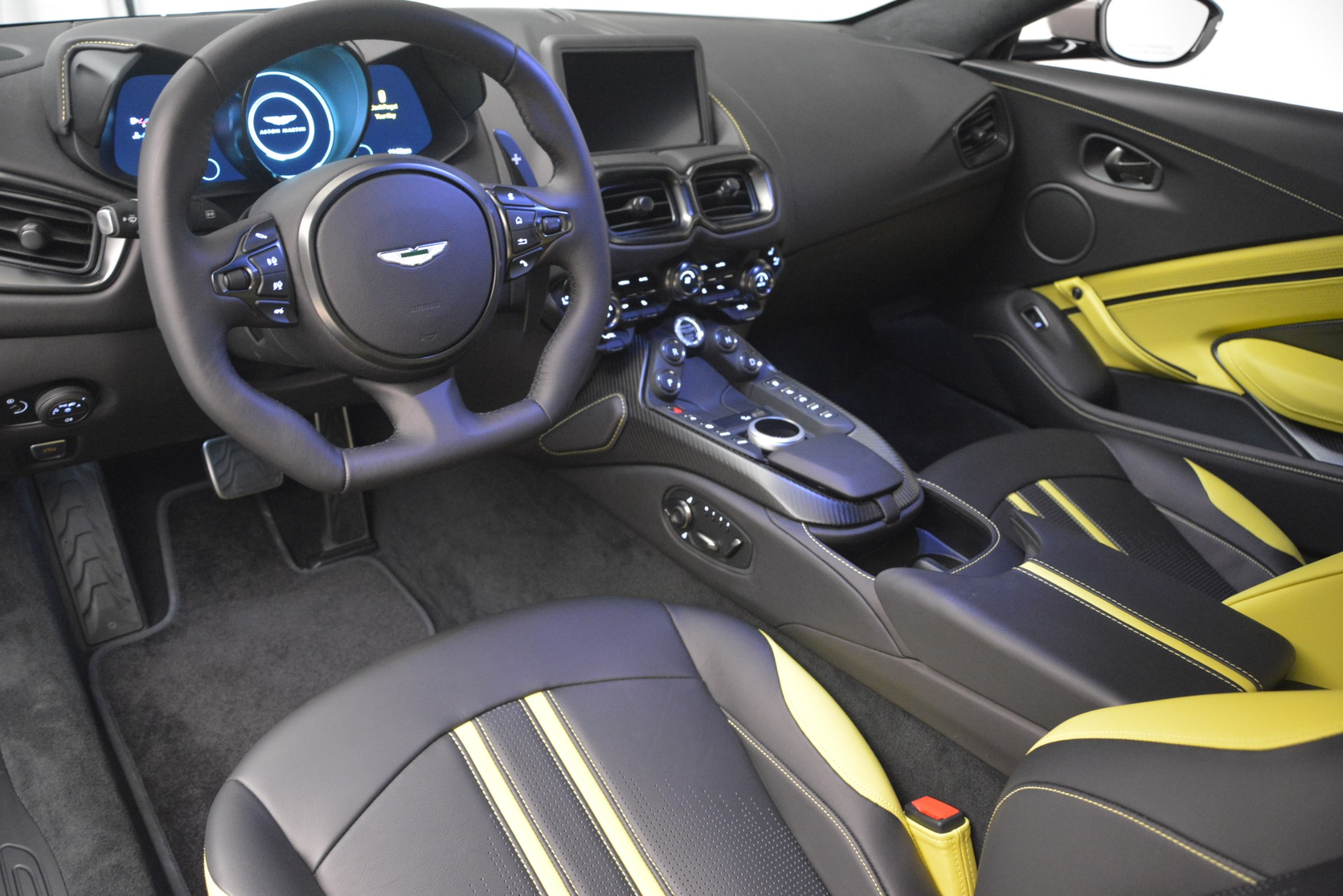 Used 2019 Aston Martin Vantage Coupe For Sale In Westport, CT 2901_p14