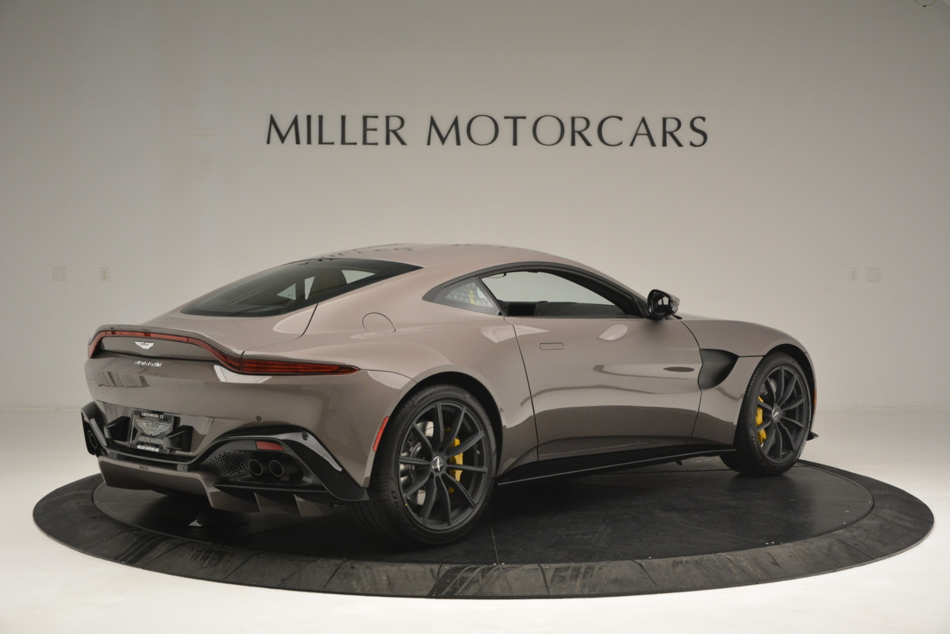 Used 2019 Aston Martin Vantage Coupe For Sale In Westport, CT 2901_p4