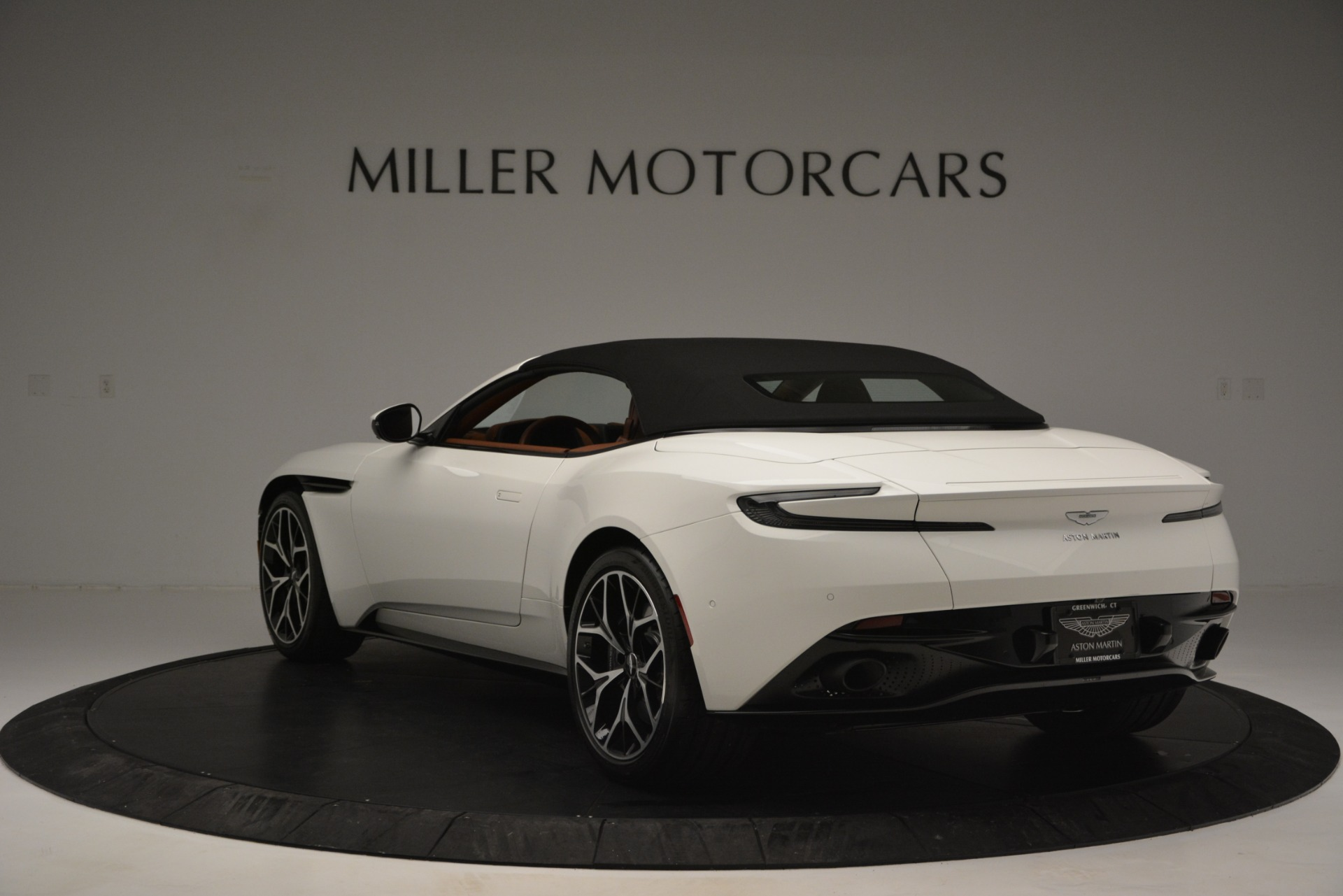 Used 2019 Aston Martin DB11 V8 Convertible For Sale In Westport, CT 2903_p17