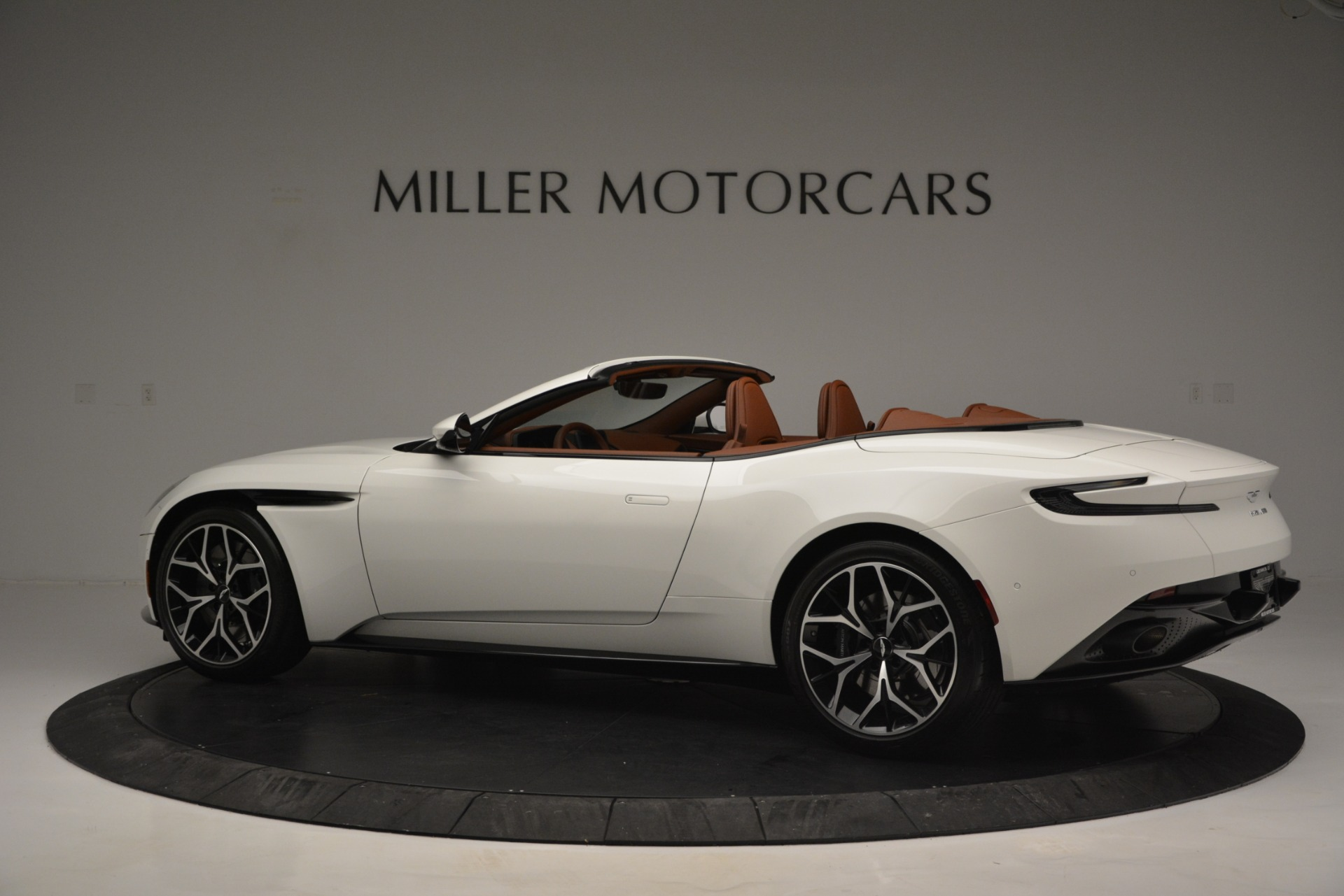 Used 2019 Aston Martin DB11 V8 Convertible For Sale In Westport, CT 2903_p4