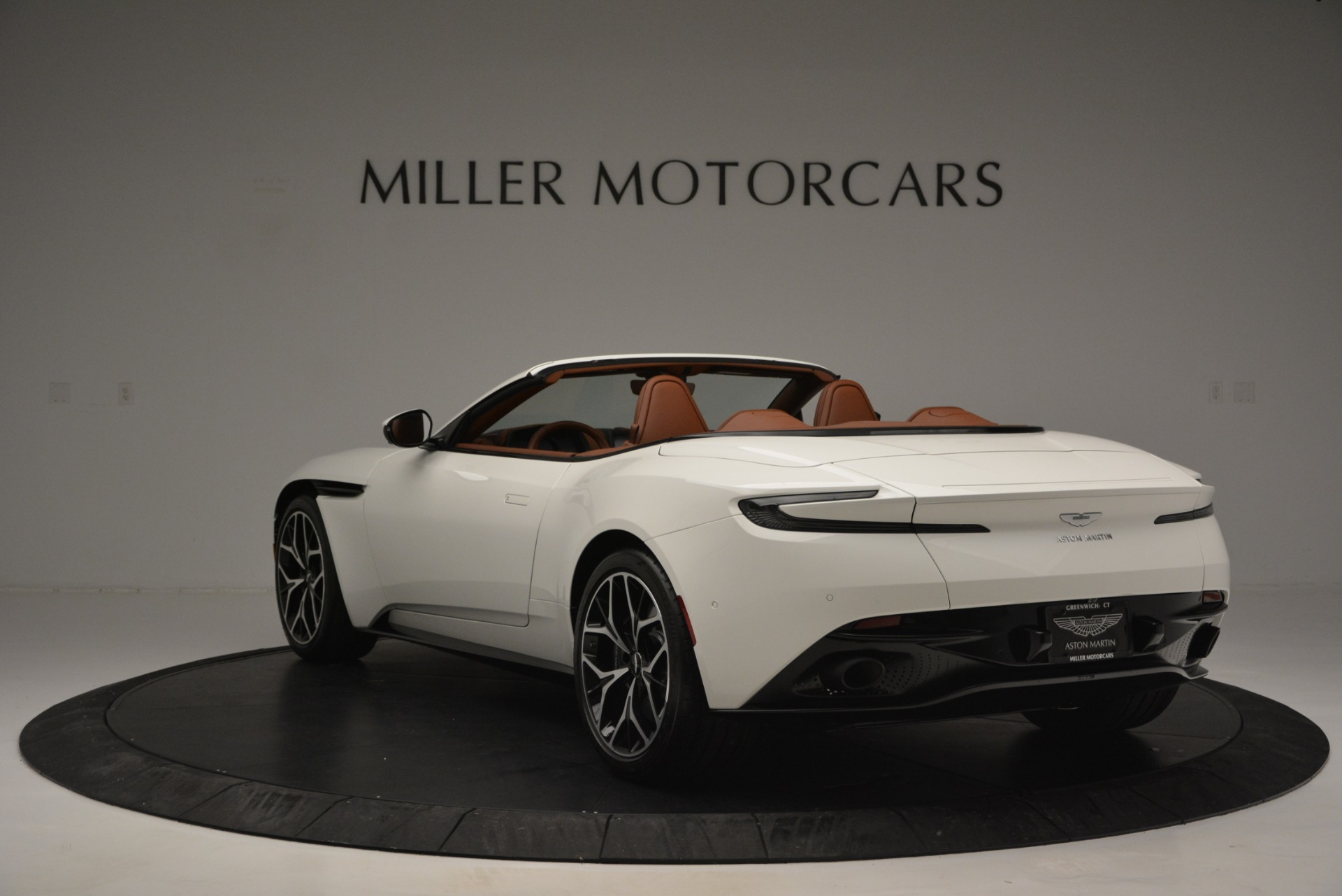 Used 2019 Aston Martin DB11 V8 Convertible For Sale In Westport, CT 2903_p5