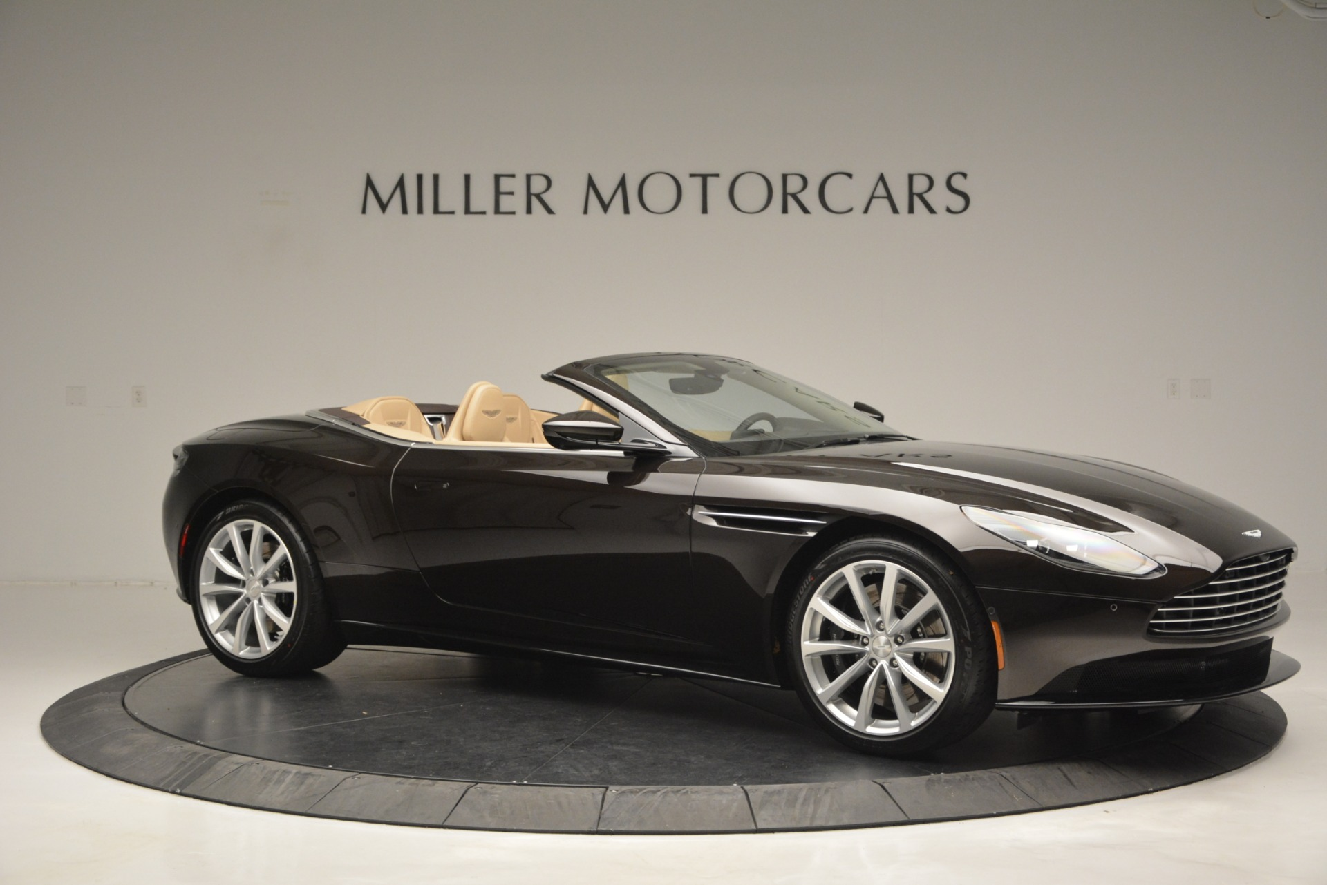 New 2019 Aston Martin DB11 V8 Convertible For Sale In Westport, CT 2905_p10