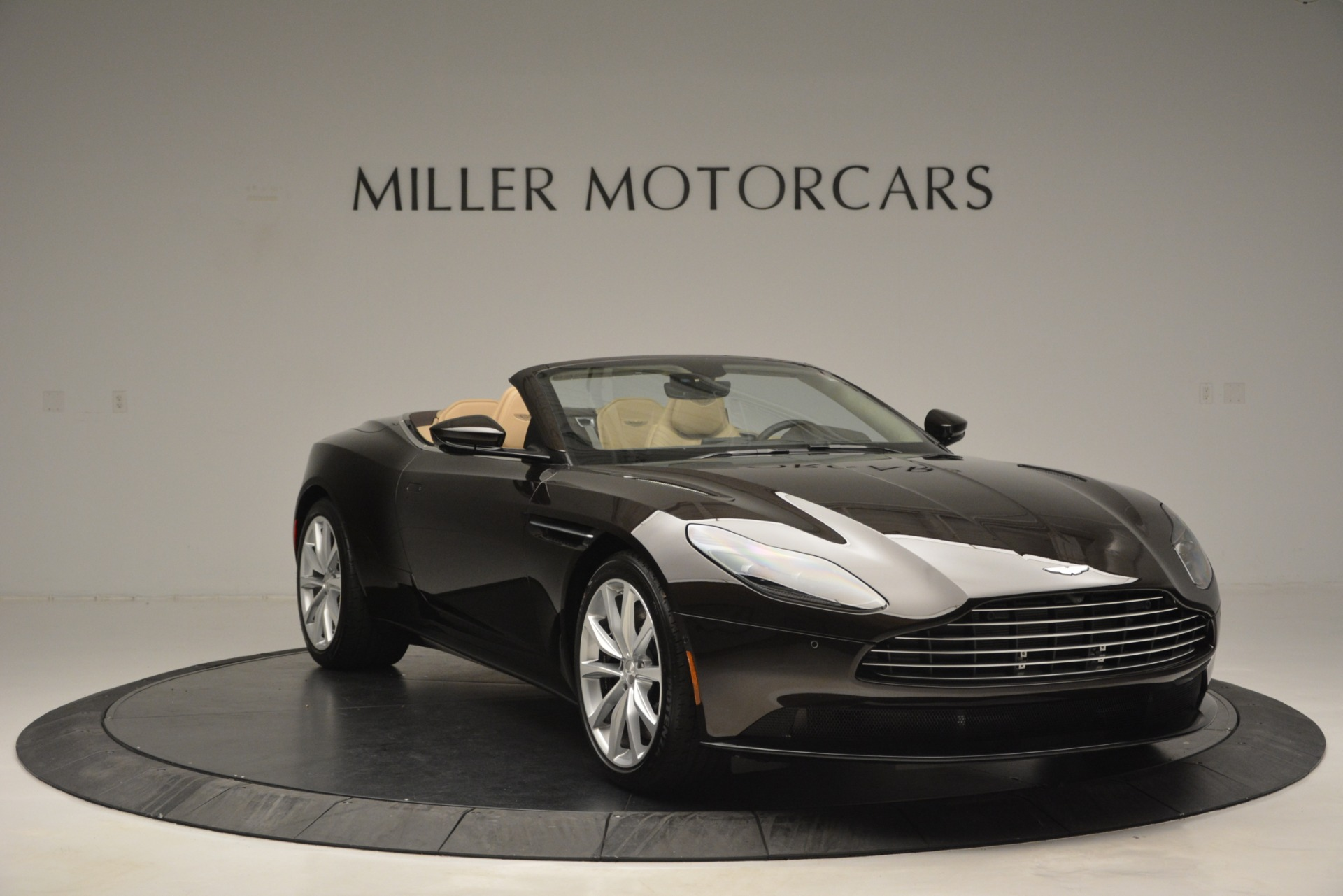 New 2019 Aston Martin DB11 V8 Convertible For Sale In Westport, CT 2905_p11