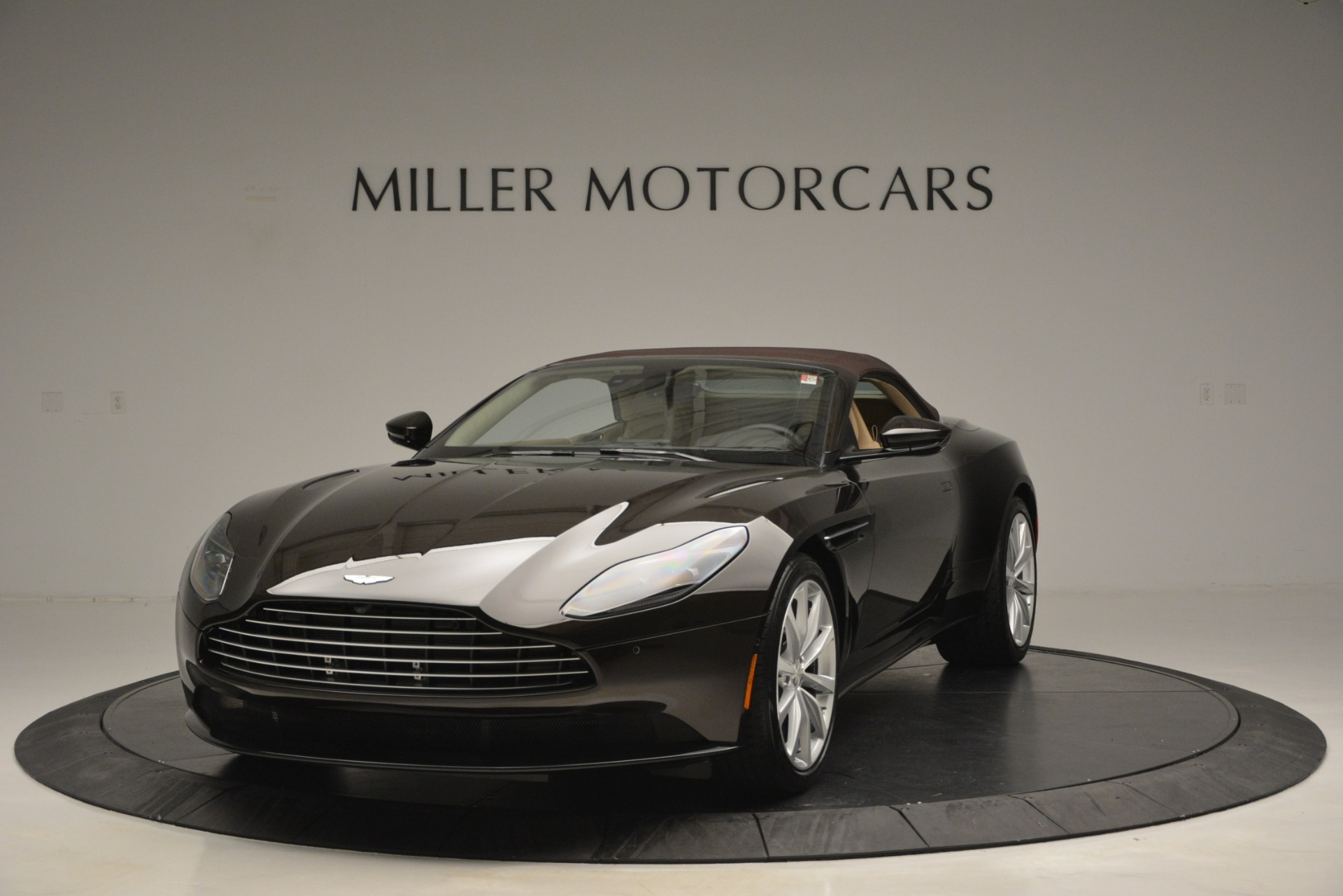 New 2019 Aston Martin DB11 V8 Convertible For Sale In Westport, CT 2905_p13
