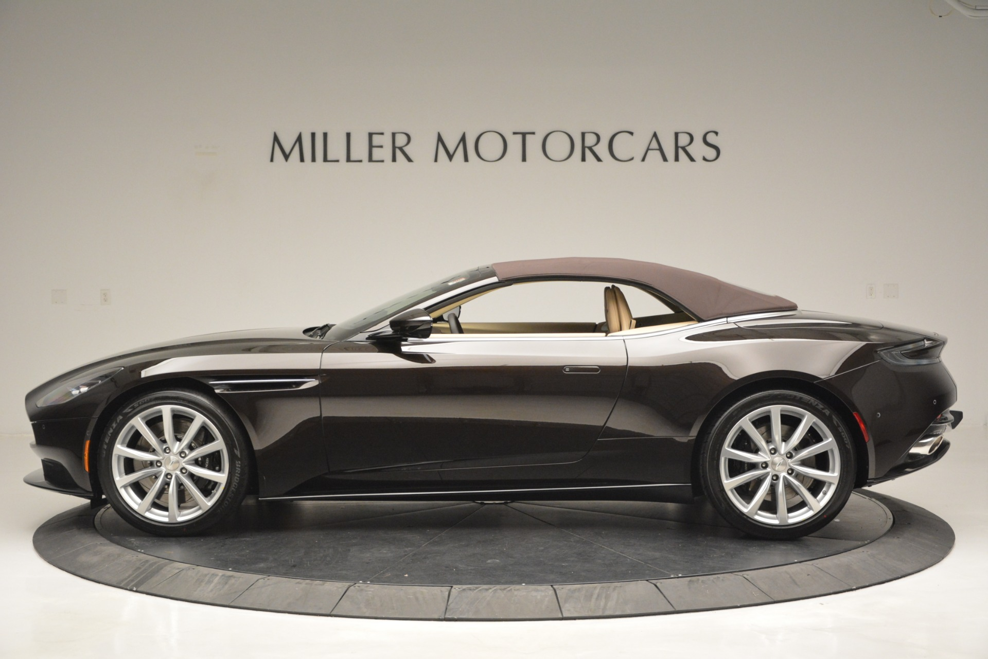 New 2019 Aston Martin DB11 V8 Convertible For Sale In Westport, CT 2905_p15