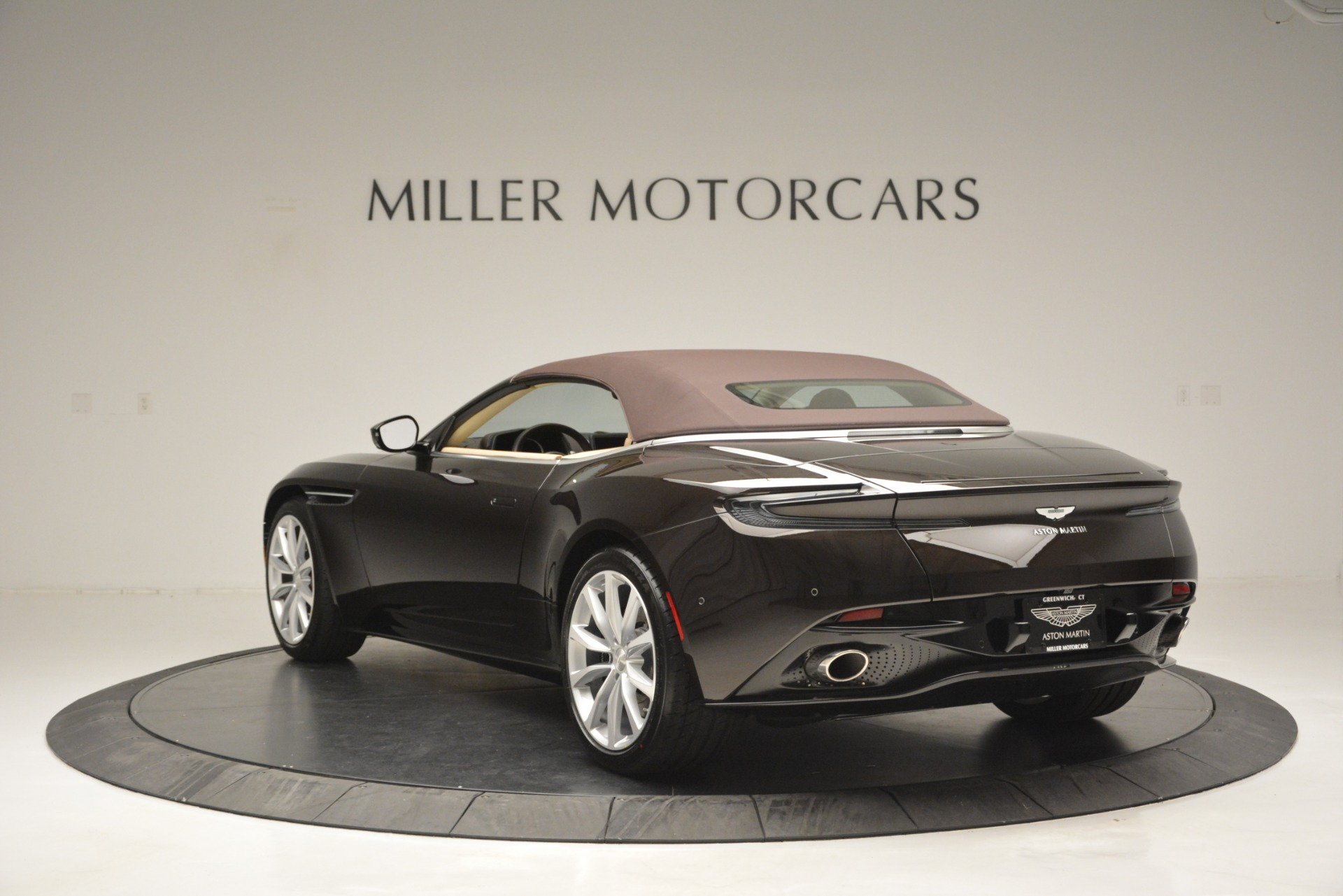 New 2019 Aston Martin DB11 V8 Convertible For Sale In Westport, CT 2905_p17