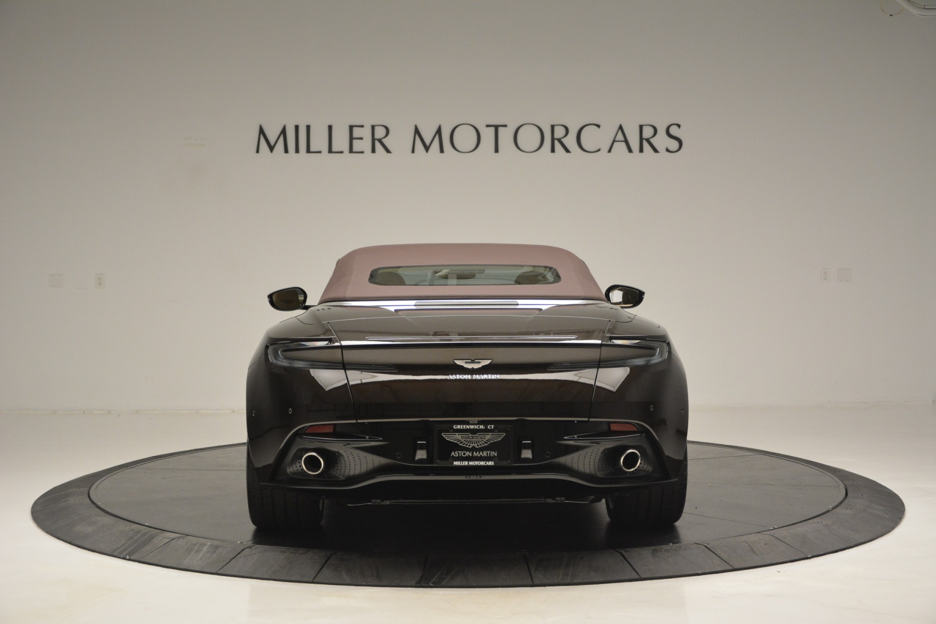 New 2019 Aston Martin DB11 V8 For Sale In Westport, CT 2905_p18