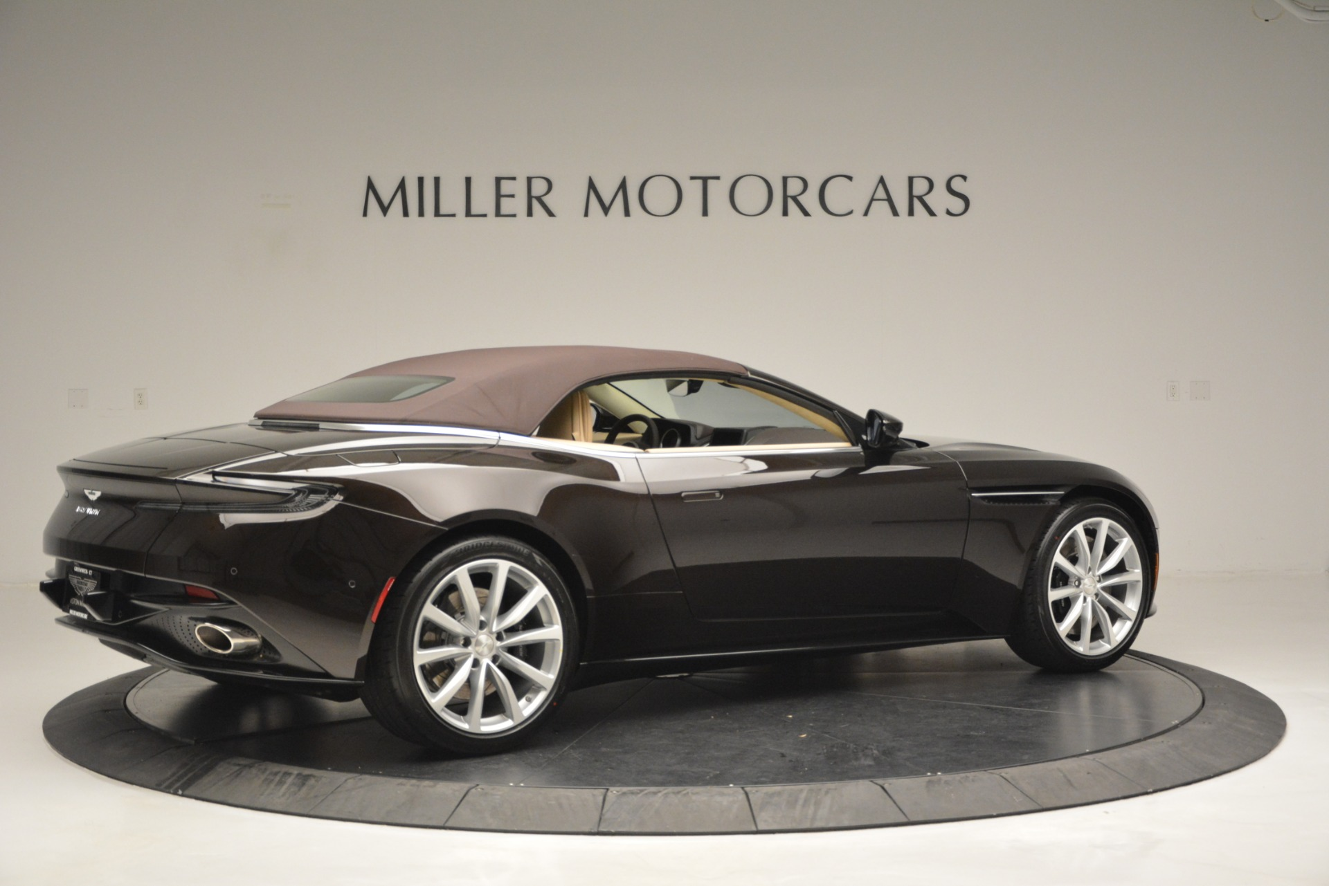 New 2019 Aston Martin DB11 V8 Convertible For Sale In Westport, CT 2905_p20