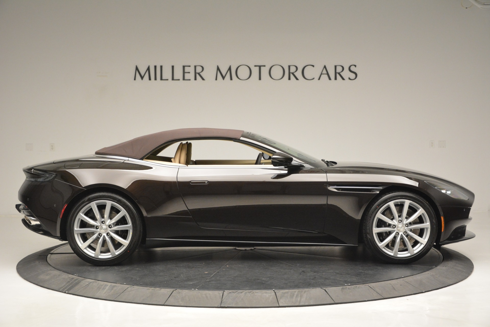 New 2019 Aston Martin DB11 V8 Convertible For Sale In Westport, CT 2905_p21