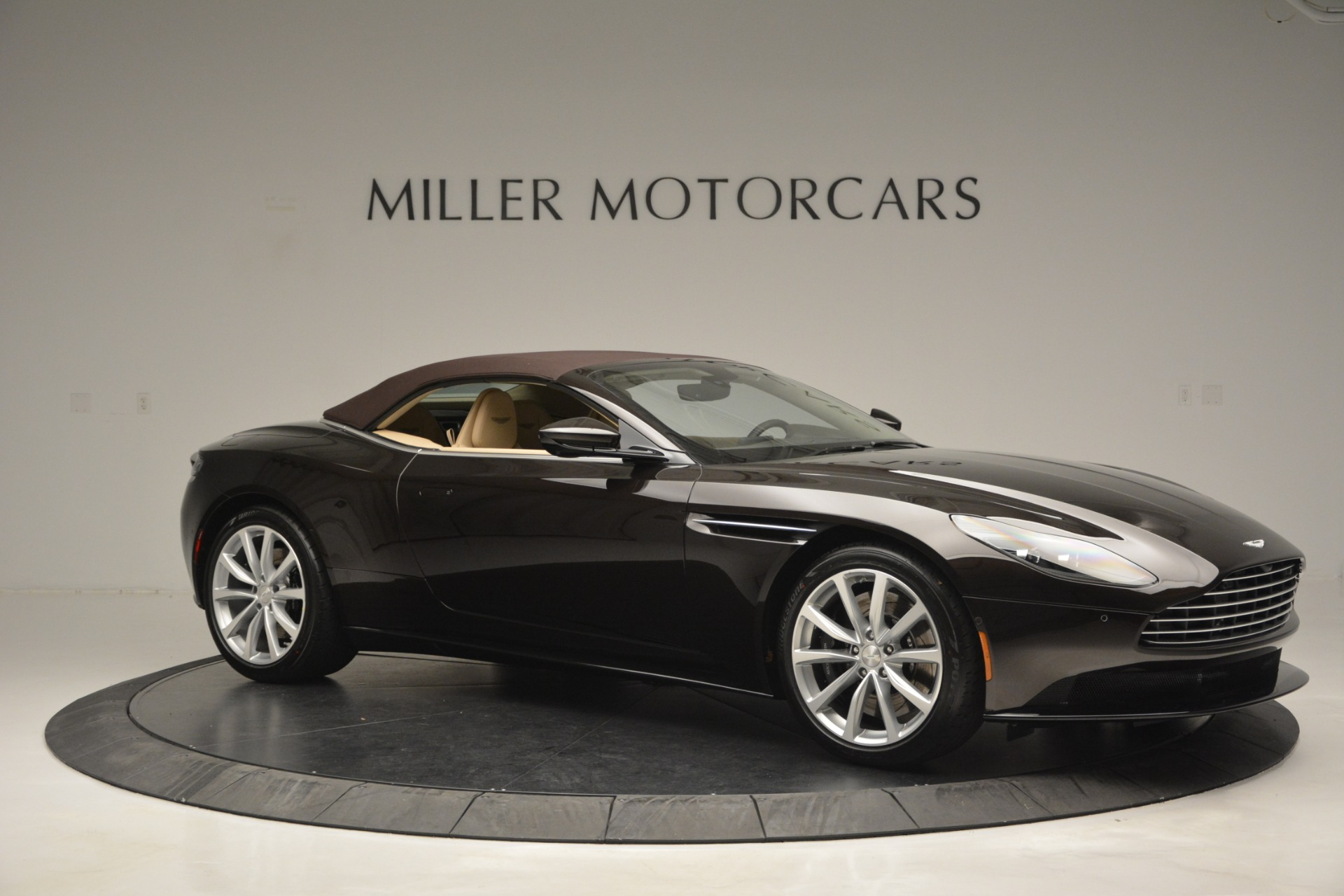 New 2019 Aston Martin DB11 V8 Convertible For Sale In Westport, CT 2905_p22