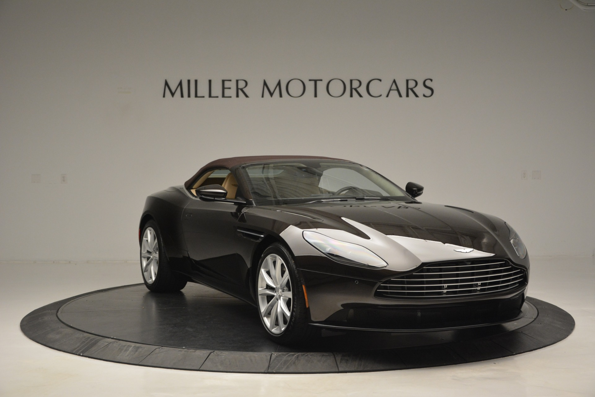 New 2019 Aston Martin DB11 V8 Convertible For Sale In Westport, CT 2905_p23