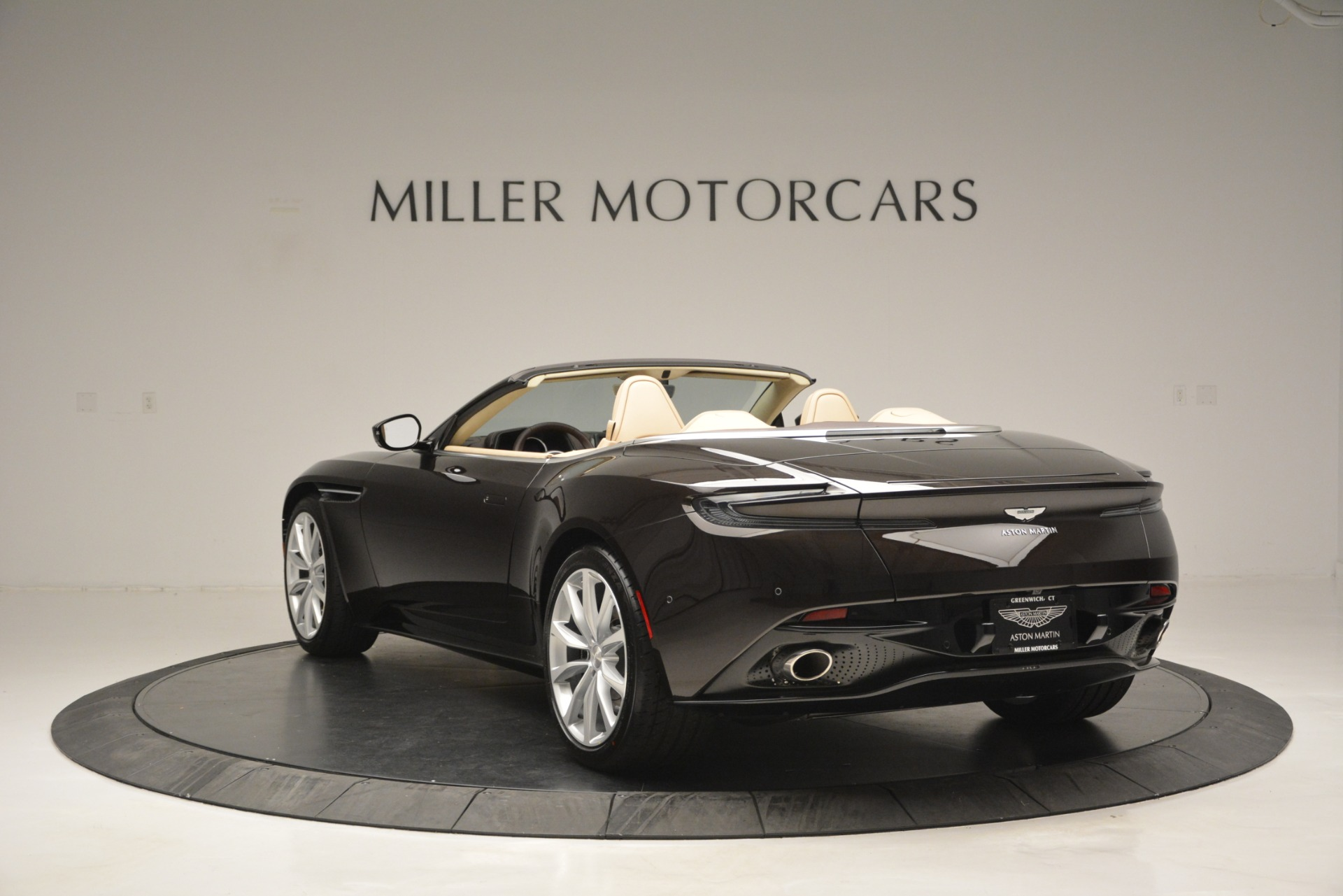 New 2019 Aston Martin DB11 V8 Convertible For Sale In Westport, CT 2905_p5