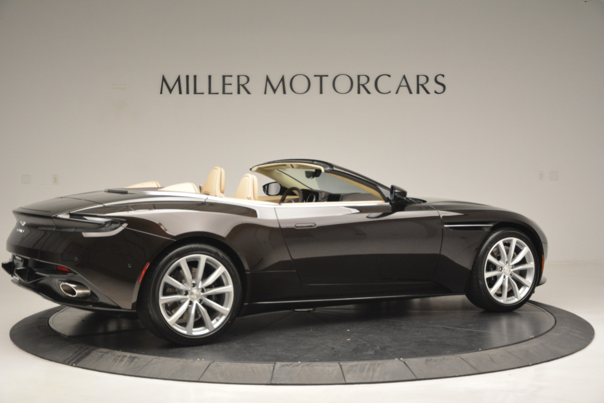 New 2019 Aston Martin DB11 V8 For Sale In Westport, CT 2905_p8