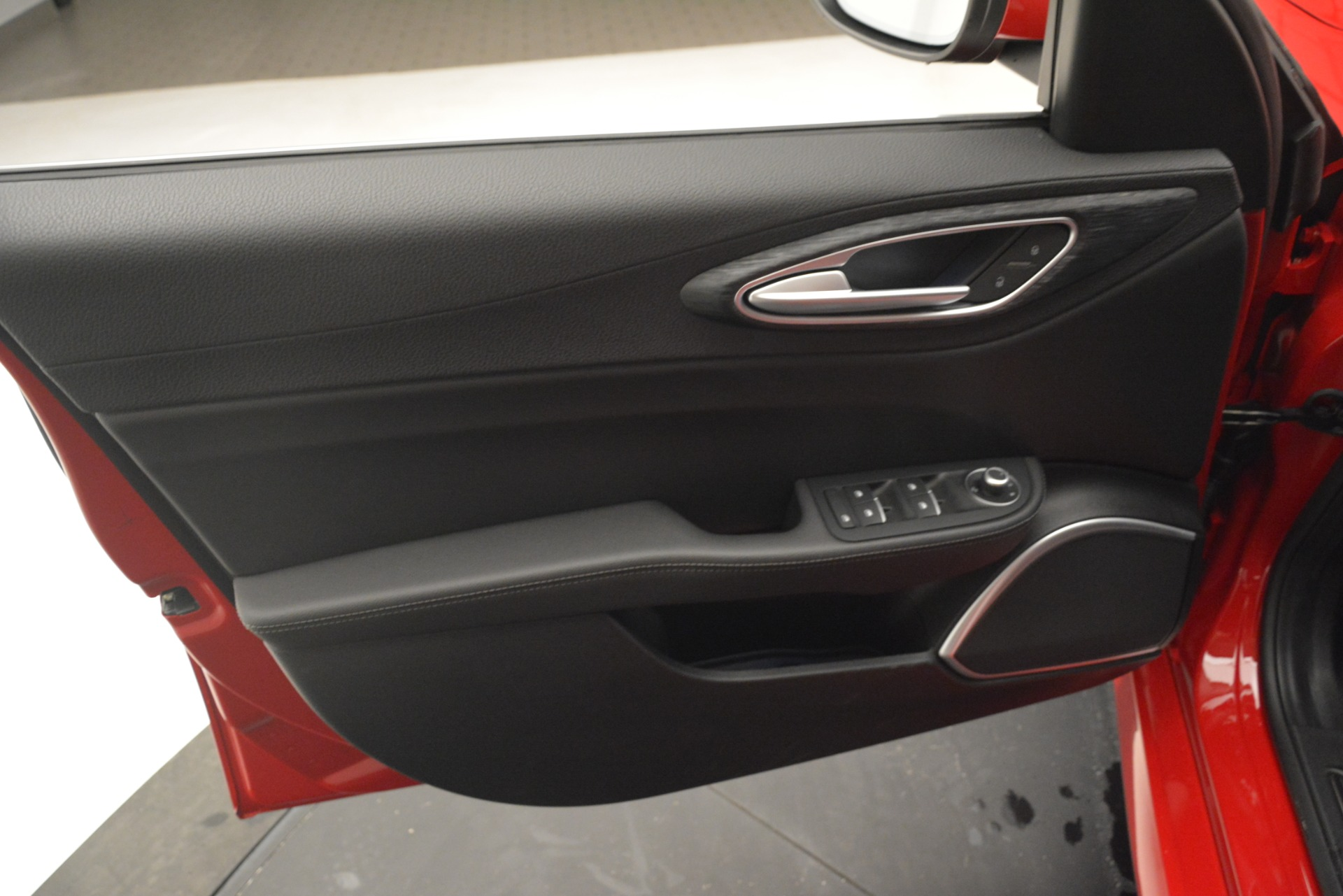 New 2019 Alfa Romeo Giulia Q4 For Sale In Westport, CT 2906_p15