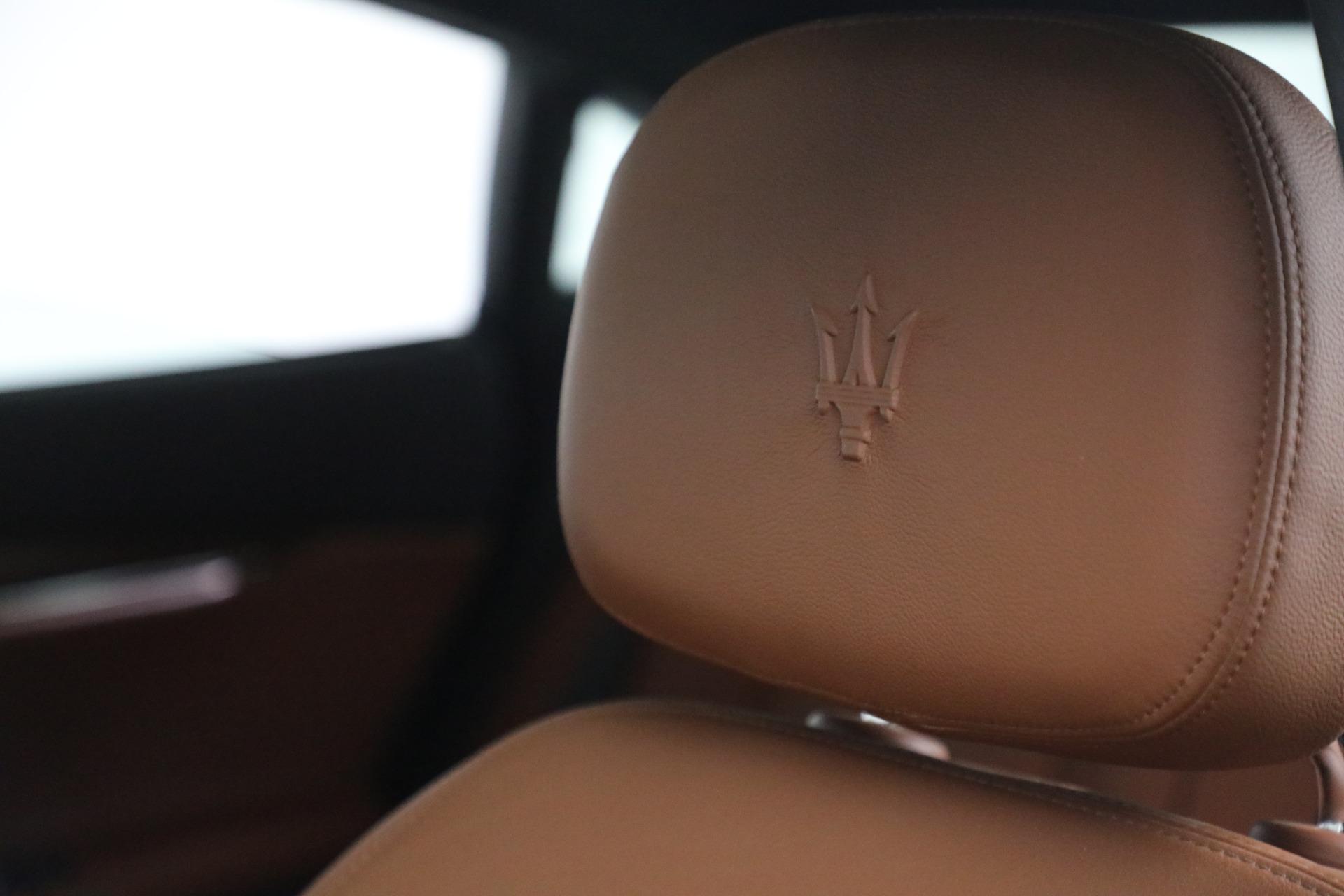 Used 2015 Maserati Quattroporte S Q4 For Sale In Westport, CT 2915_p25