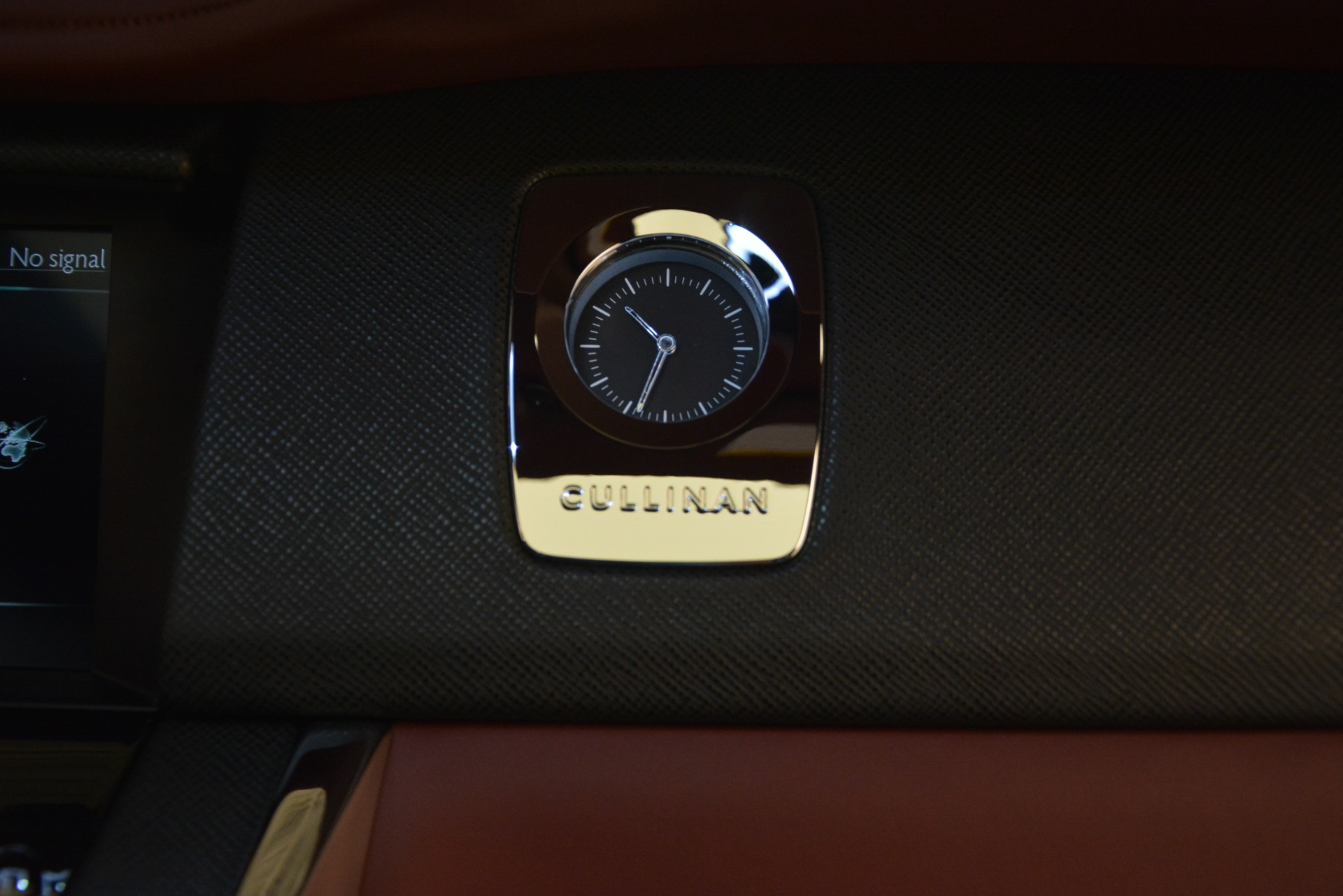Used 2019 Rolls-Royce Cullinan  For Sale In Westport, CT 2918_p38