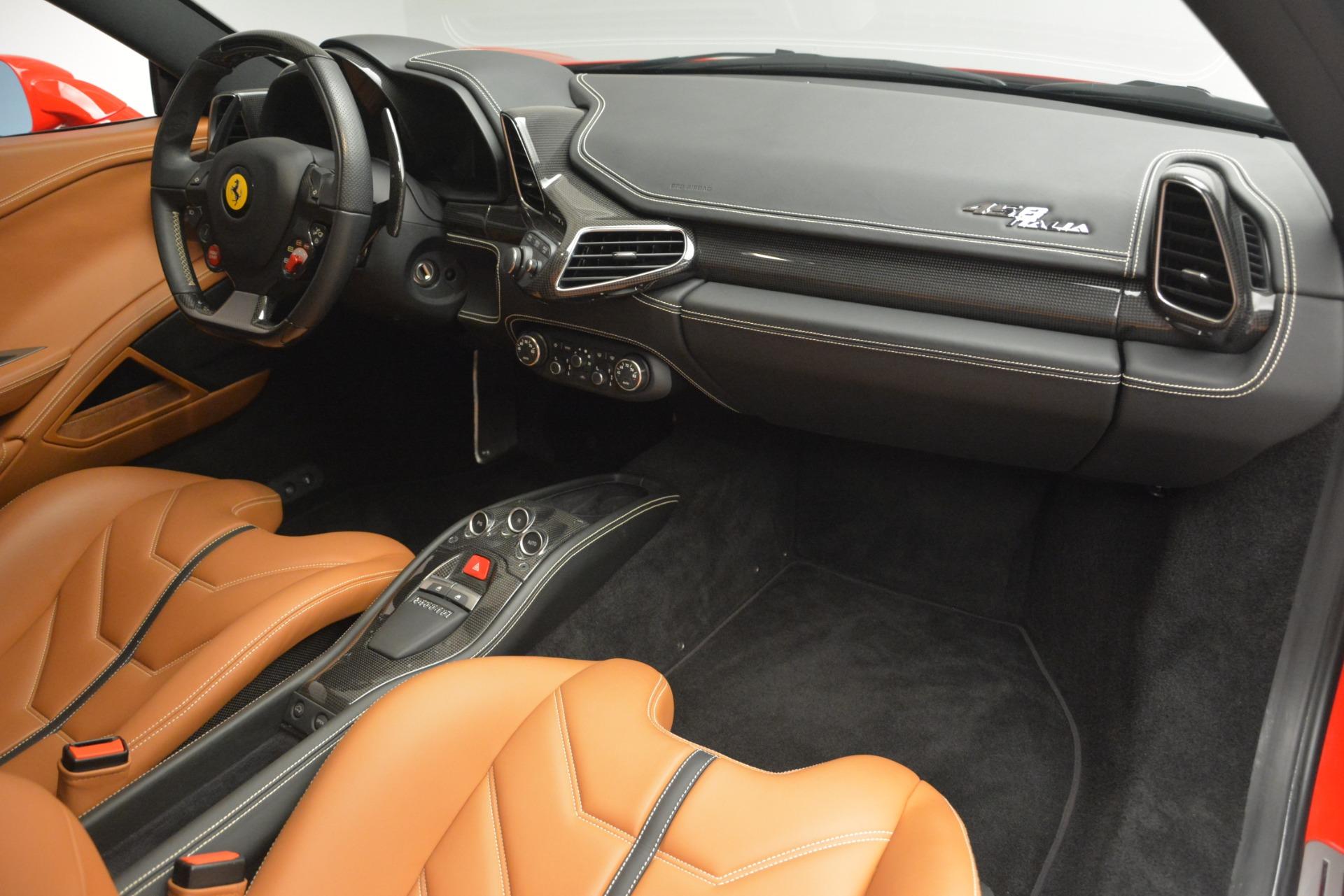 Used 2014 Ferrari 458 Italia  For Sale In Westport, CT 2920_p17
