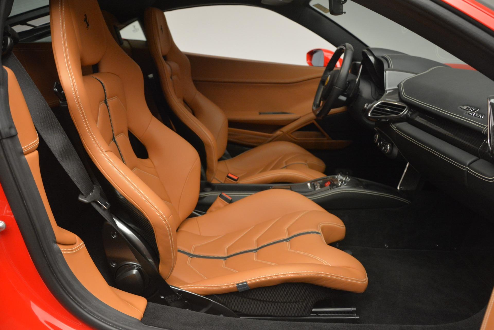 Used 2014 Ferrari 458 Italia  For Sale In Westport, CT 2920_p18