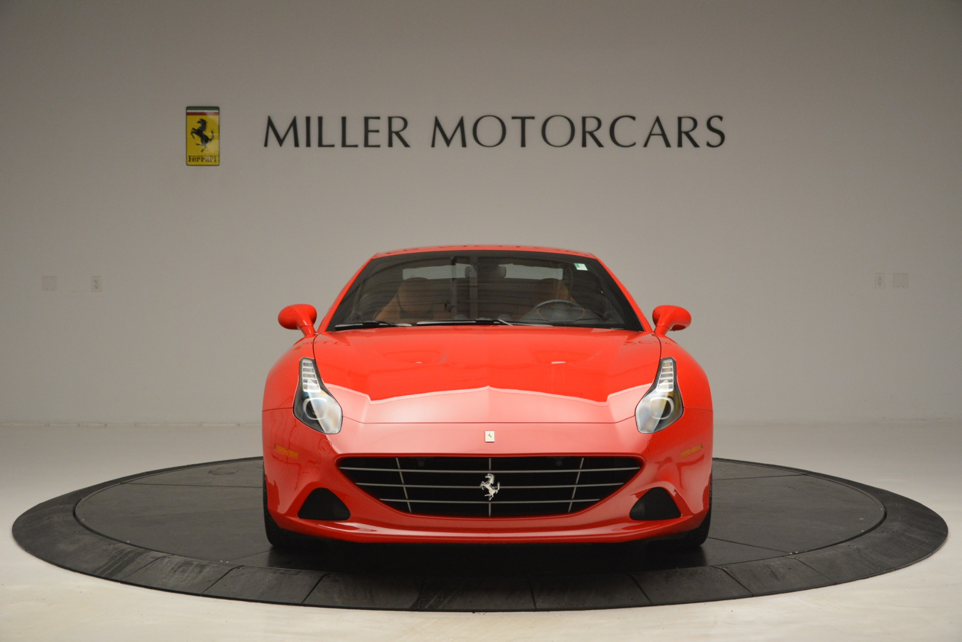 Used 2016 Ferrari California T Handling Speciale For Sale In Westport, CT 2921_p23