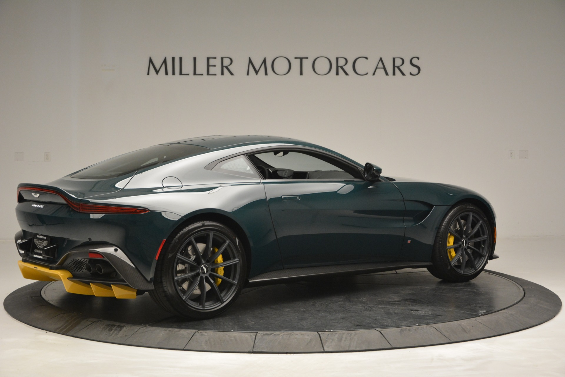New 2019 Aston Martin Vantage Coupe For Sale In Westport, CT 2929_p8