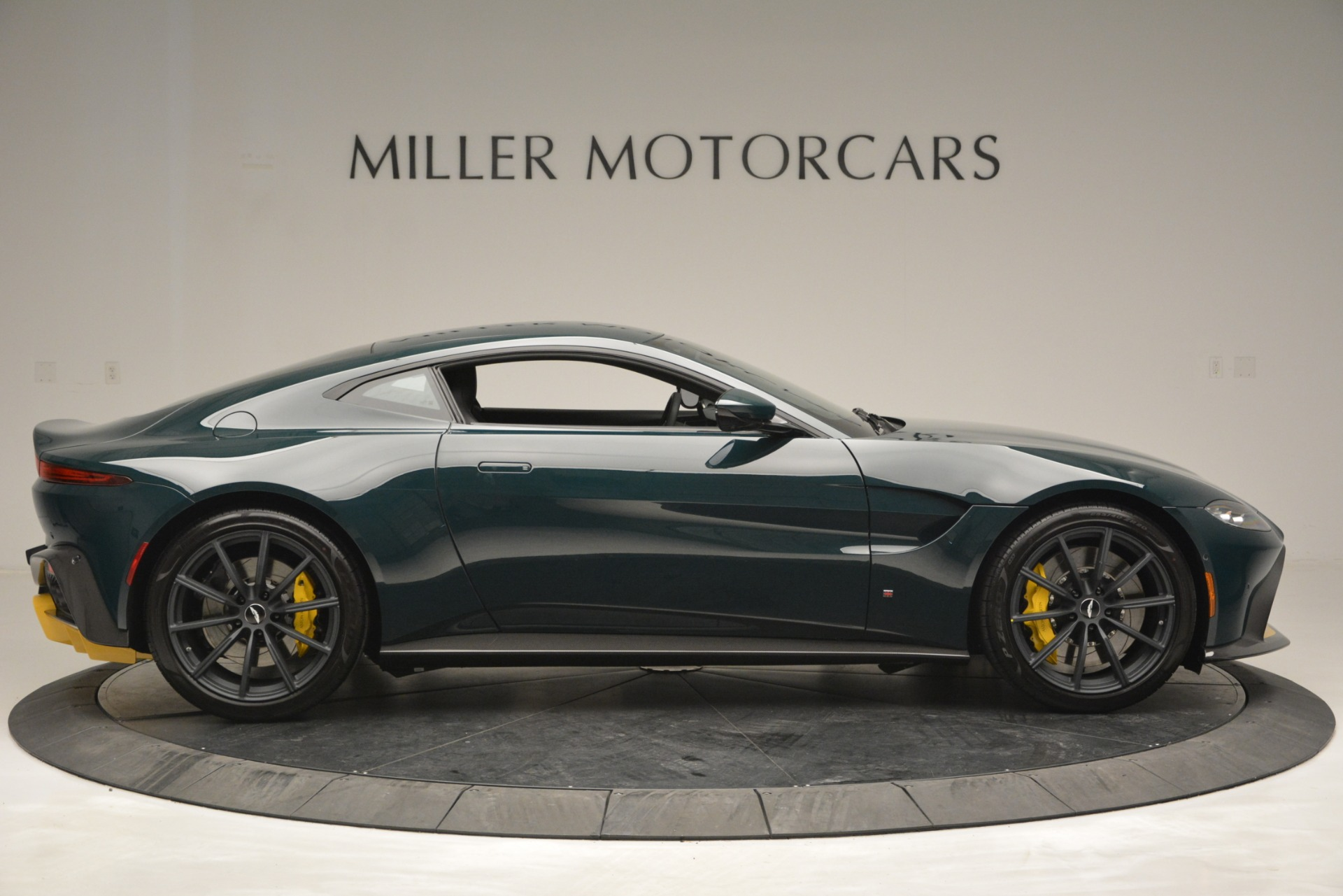 New 2019 Aston Martin Vantage Coupe For Sale In Westport, CT 2929_p9