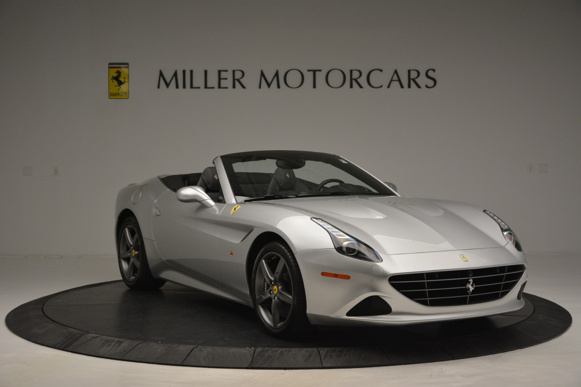 Used 2017 Ferrari California T Handling Speciale For Sale In Westport, CT 2931_p11