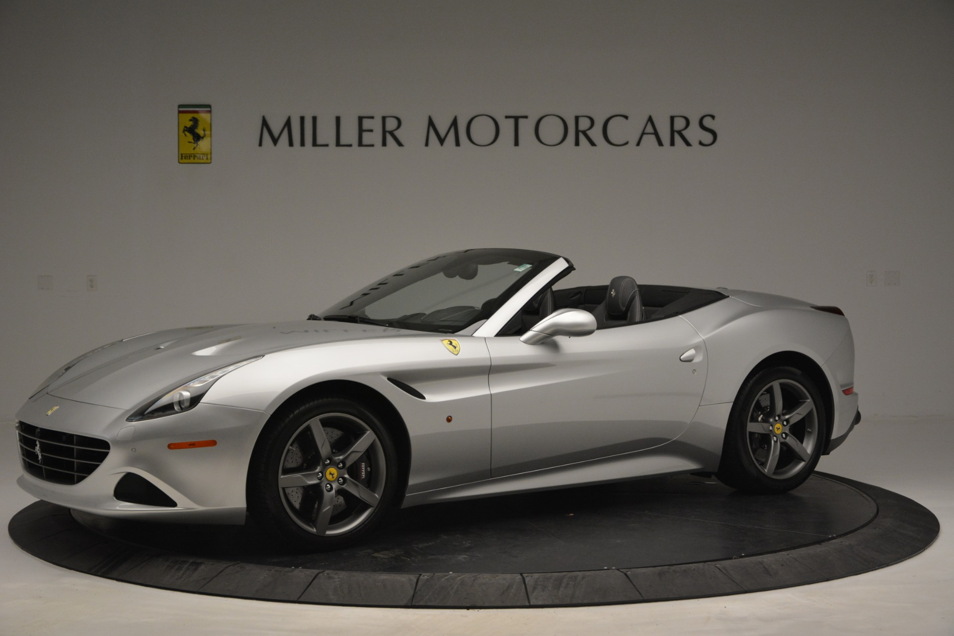 Used 2017 Ferrari California T Handling Speciale For Sale In Westport, CT 2931_p2