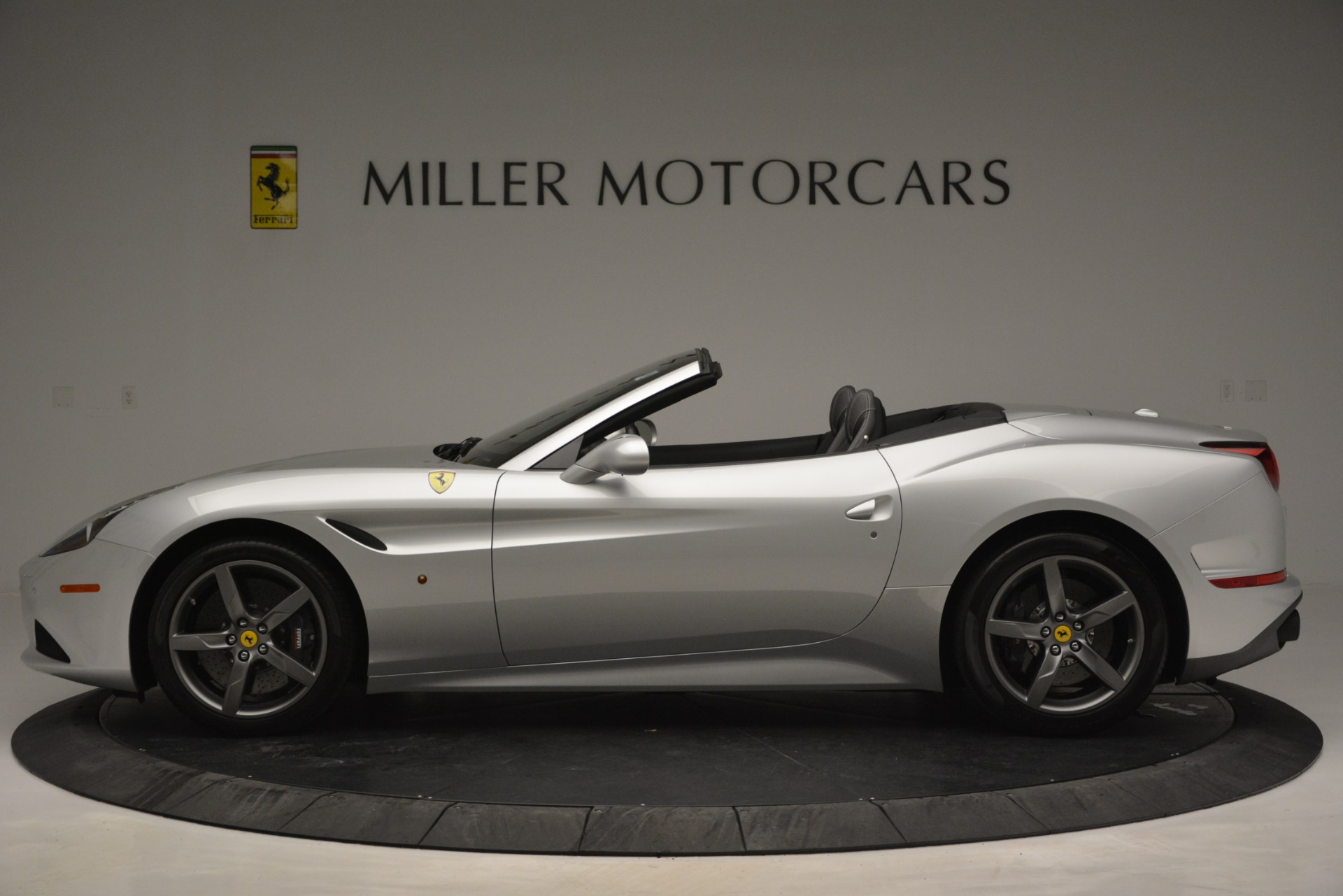 Used 2017 Ferrari California T Handling Speciale For Sale In Westport, CT 2931_p3