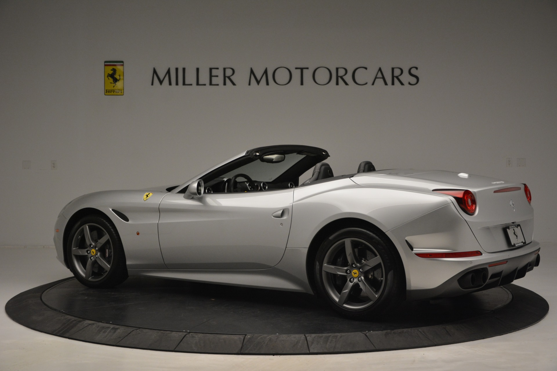 Used 2017 Ferrari California T Handling Speciale For Sale In Westport, CT 2931_p4