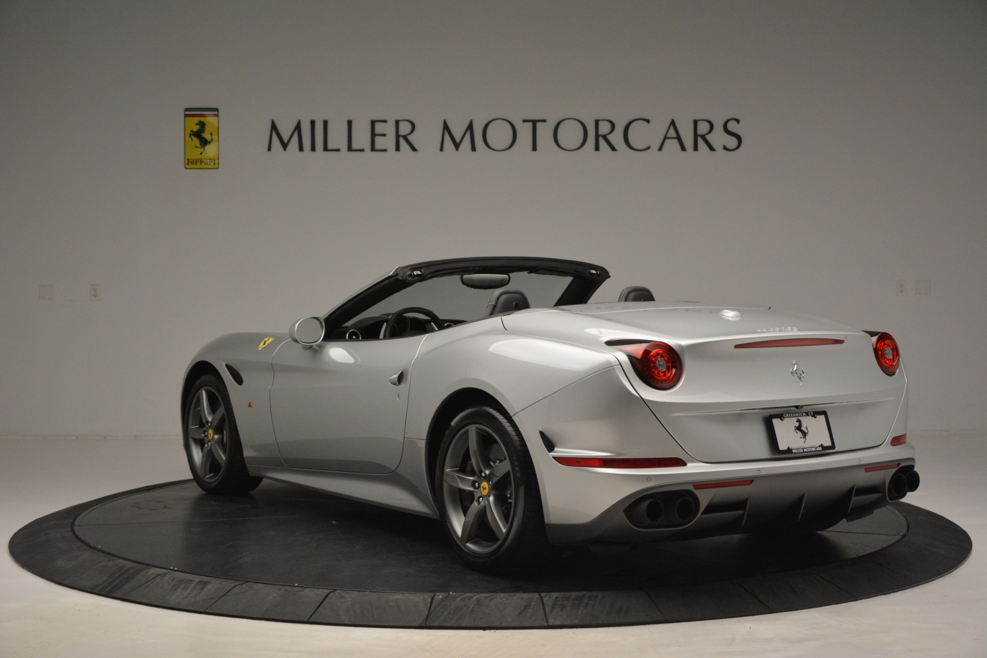 Used 2017 Ferrari California T Handling Speciale For Sale In Westport, CT 2931_p5