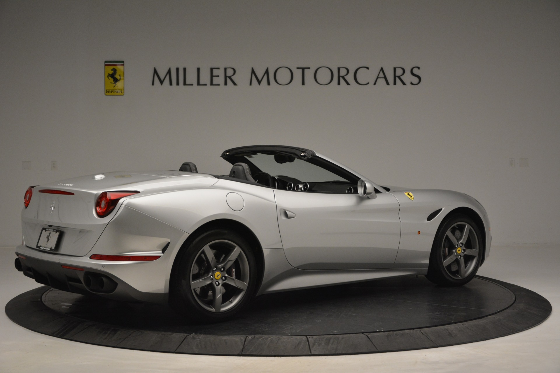 Used 2017 Ferrari California T Handling Speciale For Sale In Westport, CT 2931_p8