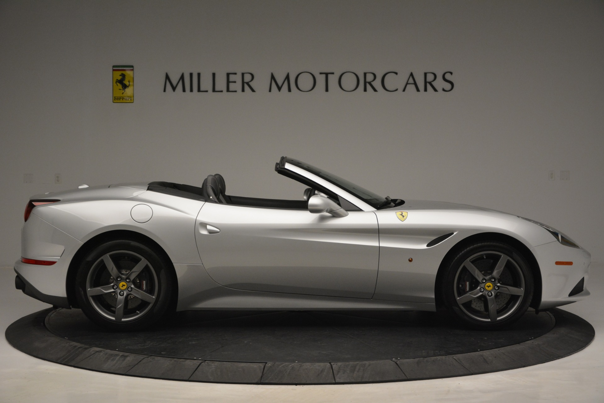 Used 2017 Ferrari California T Handling Speciale For Sale In Westport, CT 2931_p9