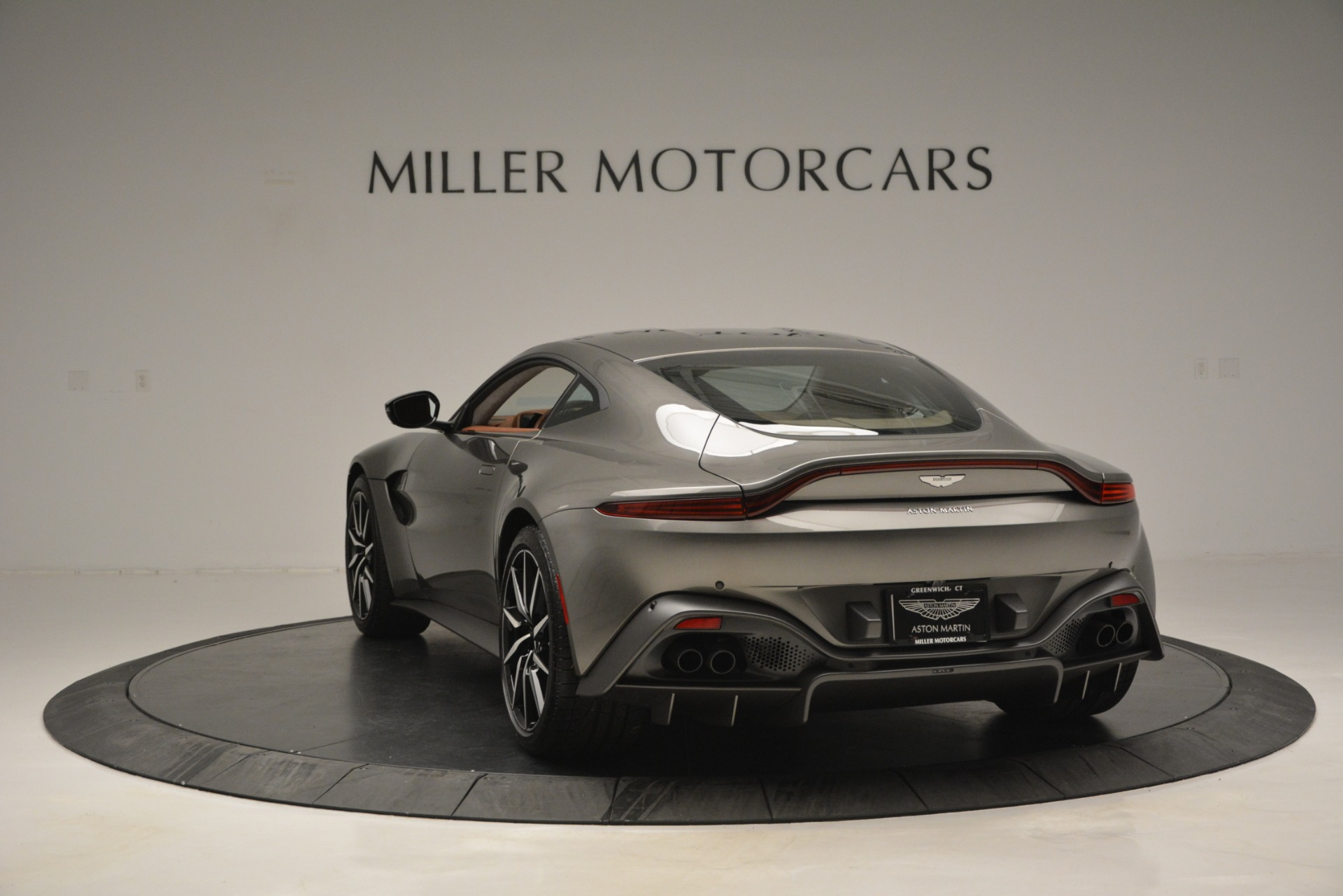 Used 2019 Aston Martin Vantage  For Sale In Westport, CT 2932_p4