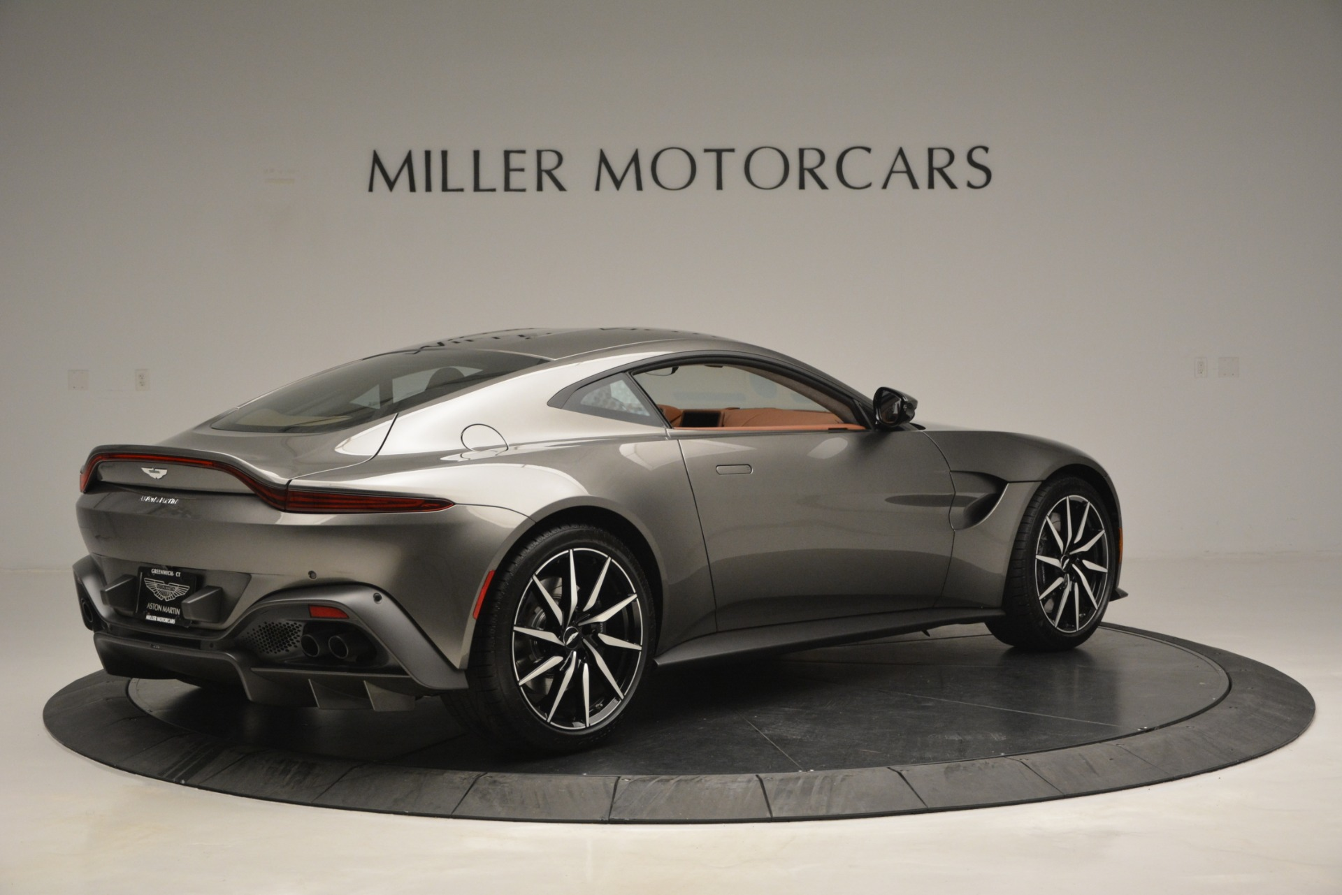 Used 2019 Aston Martin Vantage  For Sale In Westport, CT 2932_p7