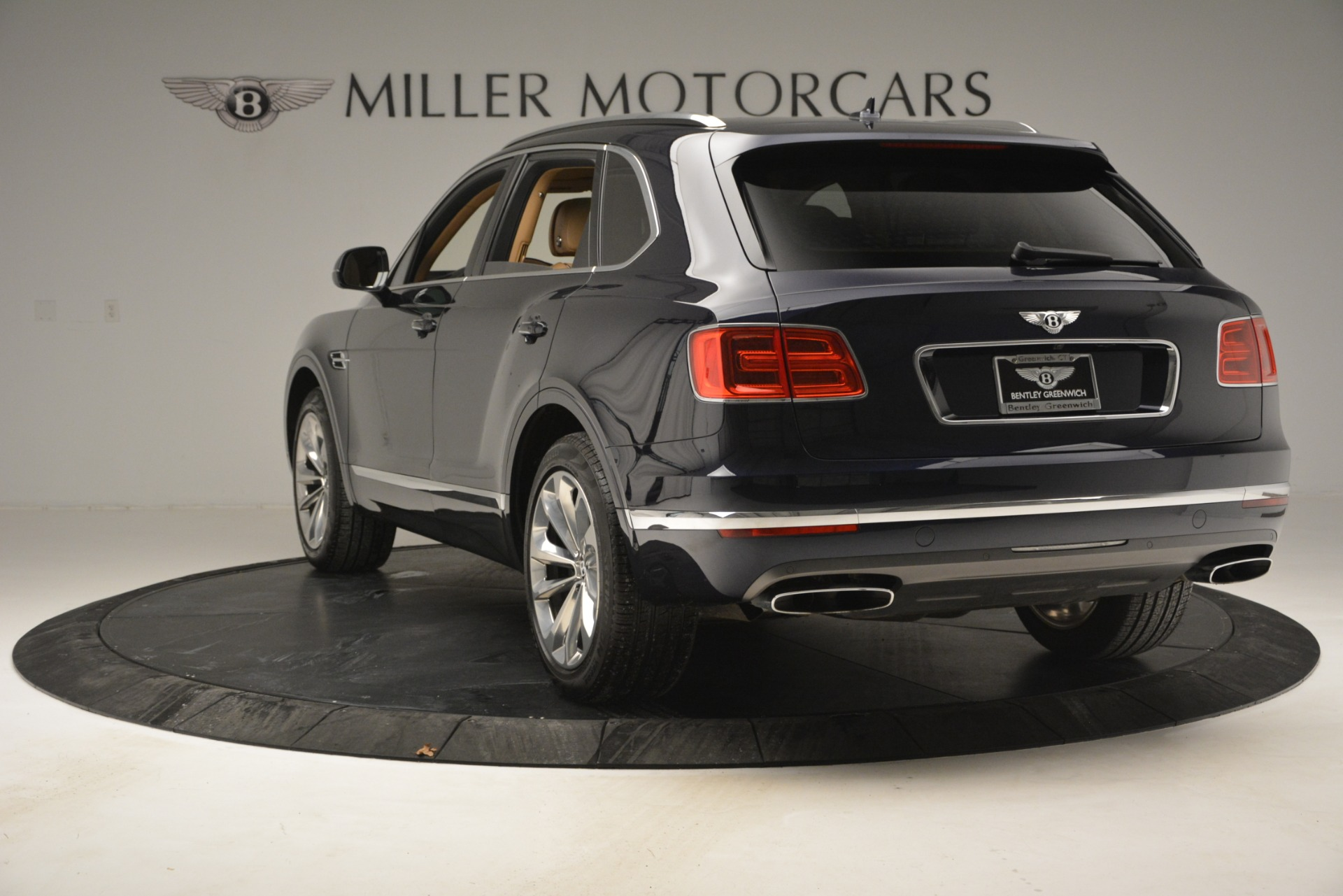 Used 2017 Bentley Bentayga W12 For Sale In Westport, CT 2934_p5