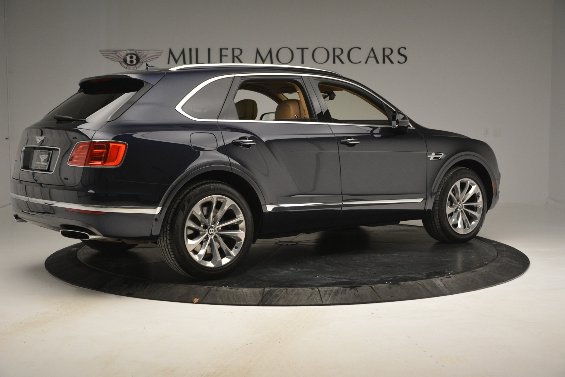 Used 2017 Bentley Bentayga W12 For Sale In Westport, CT 2934_p8