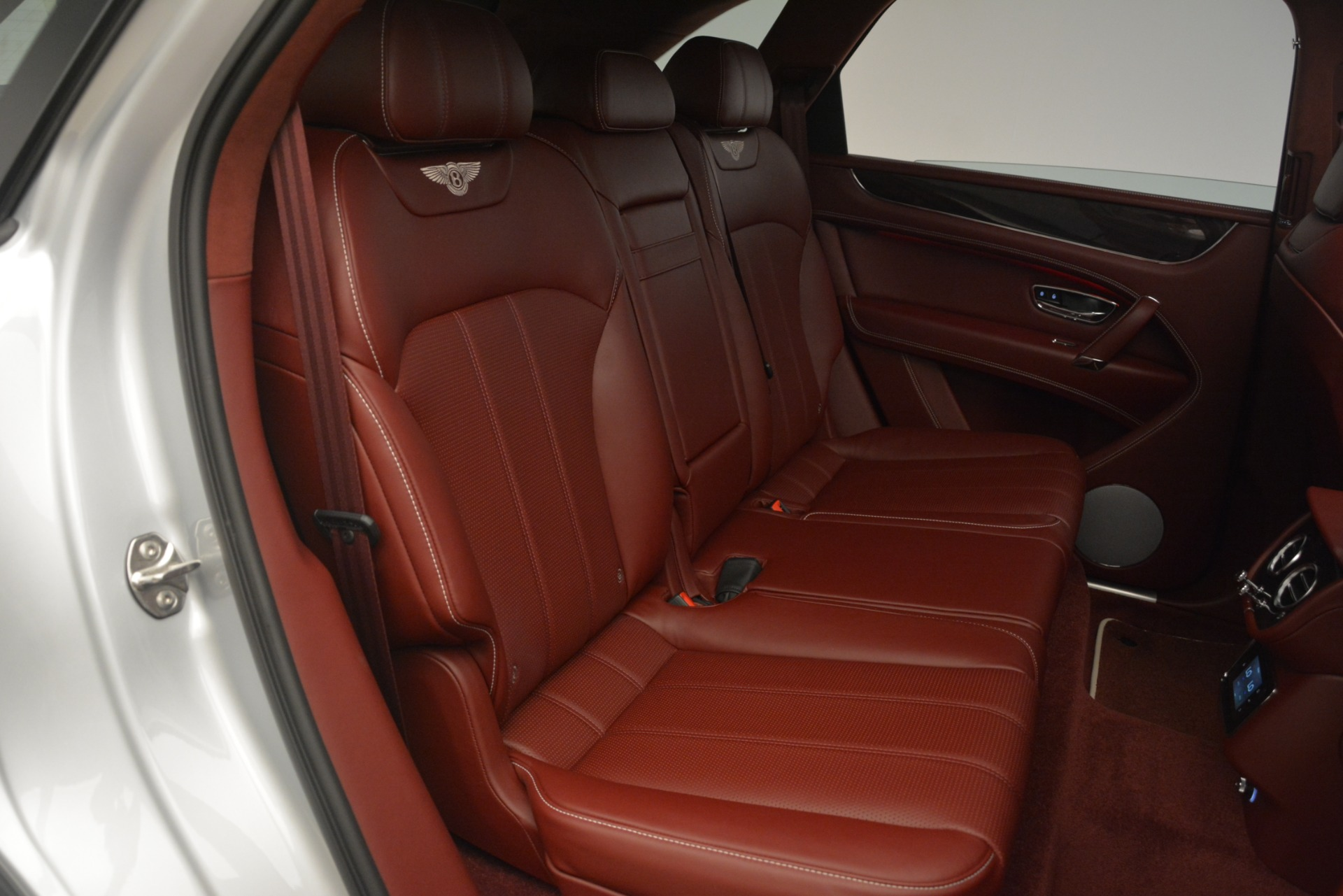 New 2019 Bentley Bentayga V8 For Sale In Westport, CT 2935_p26